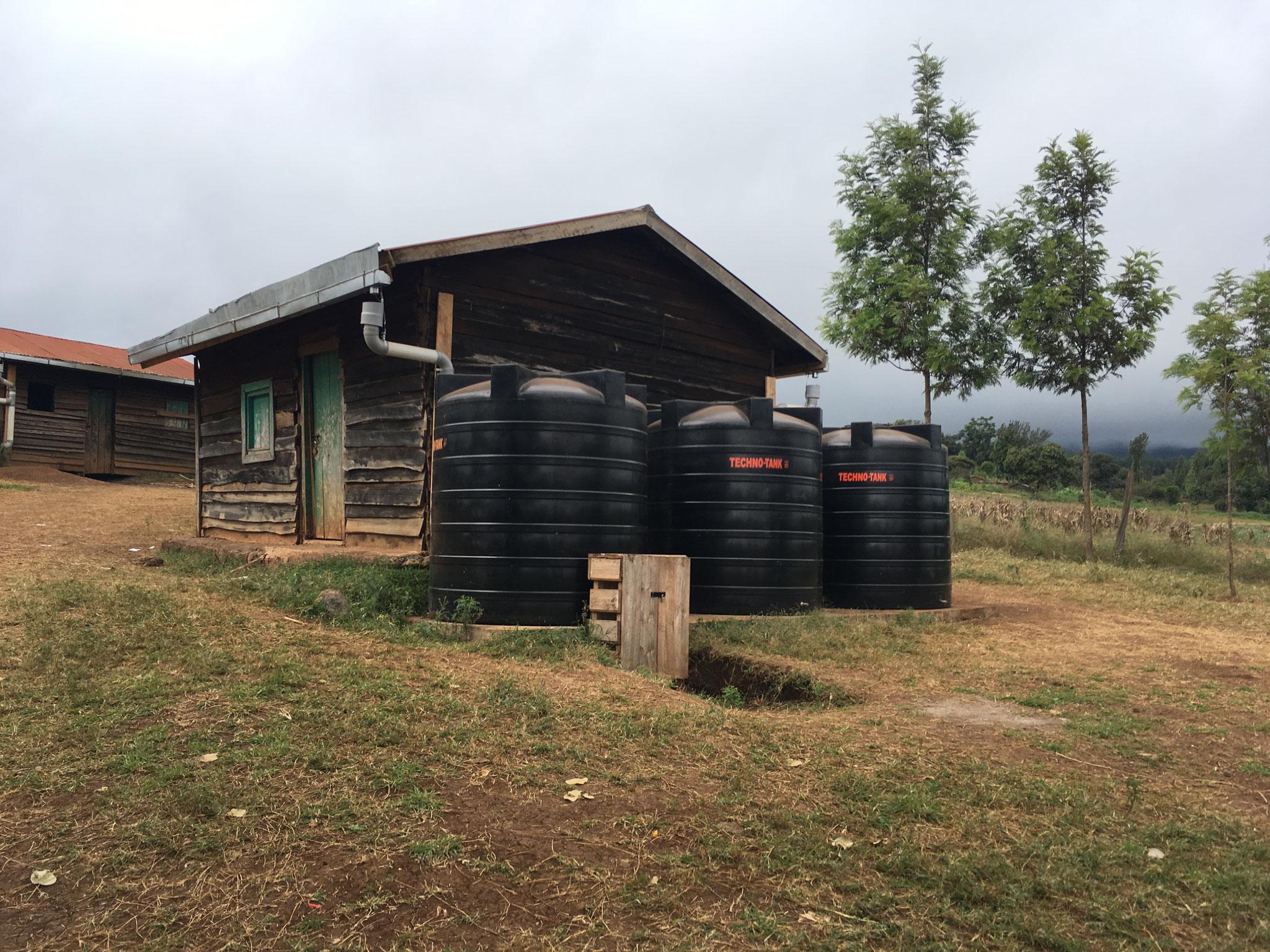 Wassertanks an der Imurtot