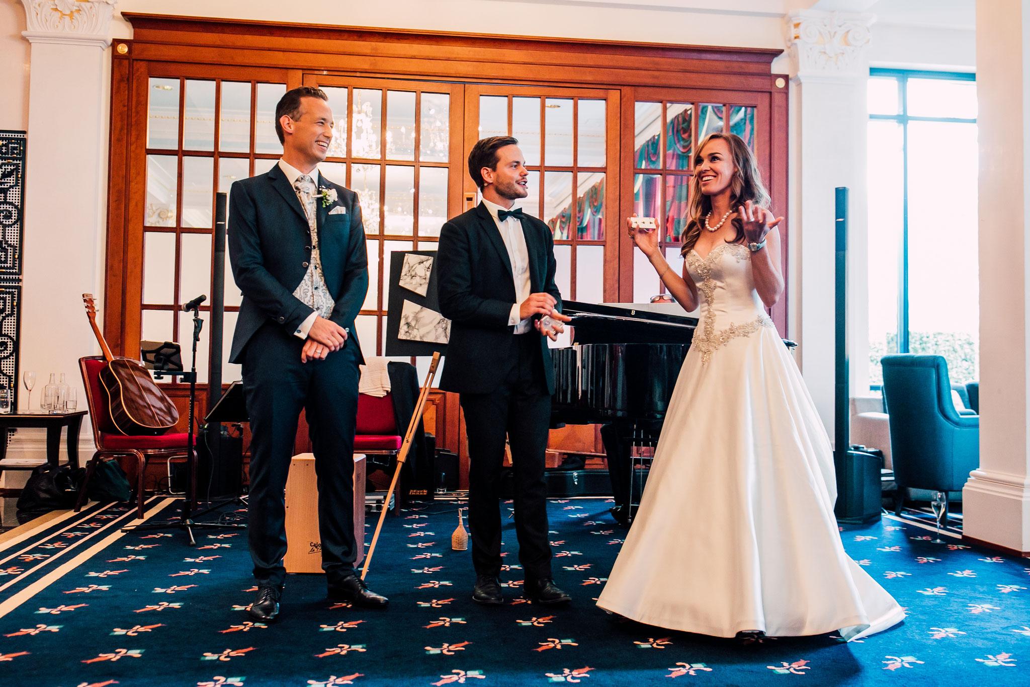 Martina Hingis und Harry Leeman können an ihrer eigenen Hochzeit nicht fassen was passiert