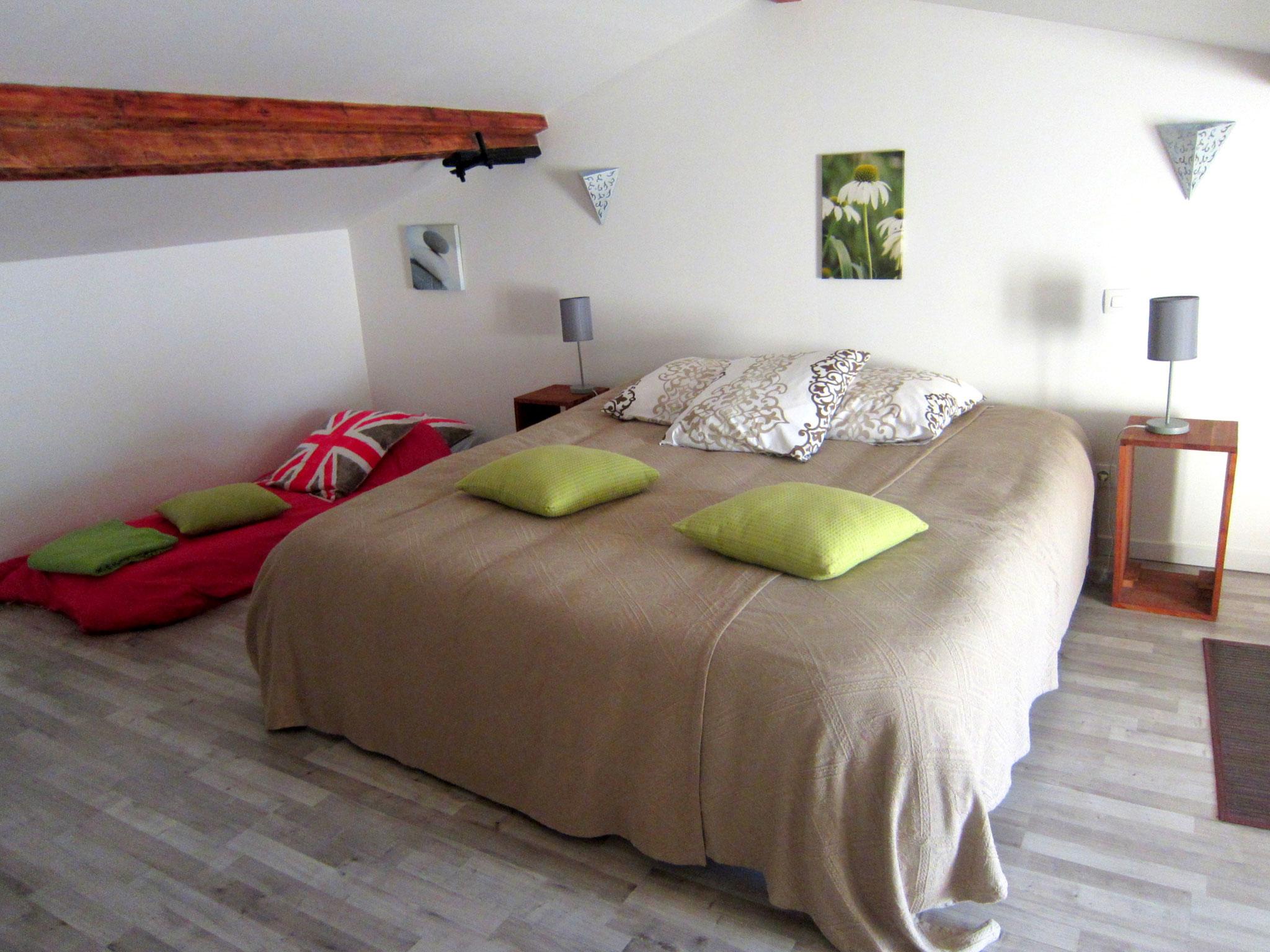 Chambre 2 mansardée étage Le Four à Pain - Gîte du Maréchat Cabariot