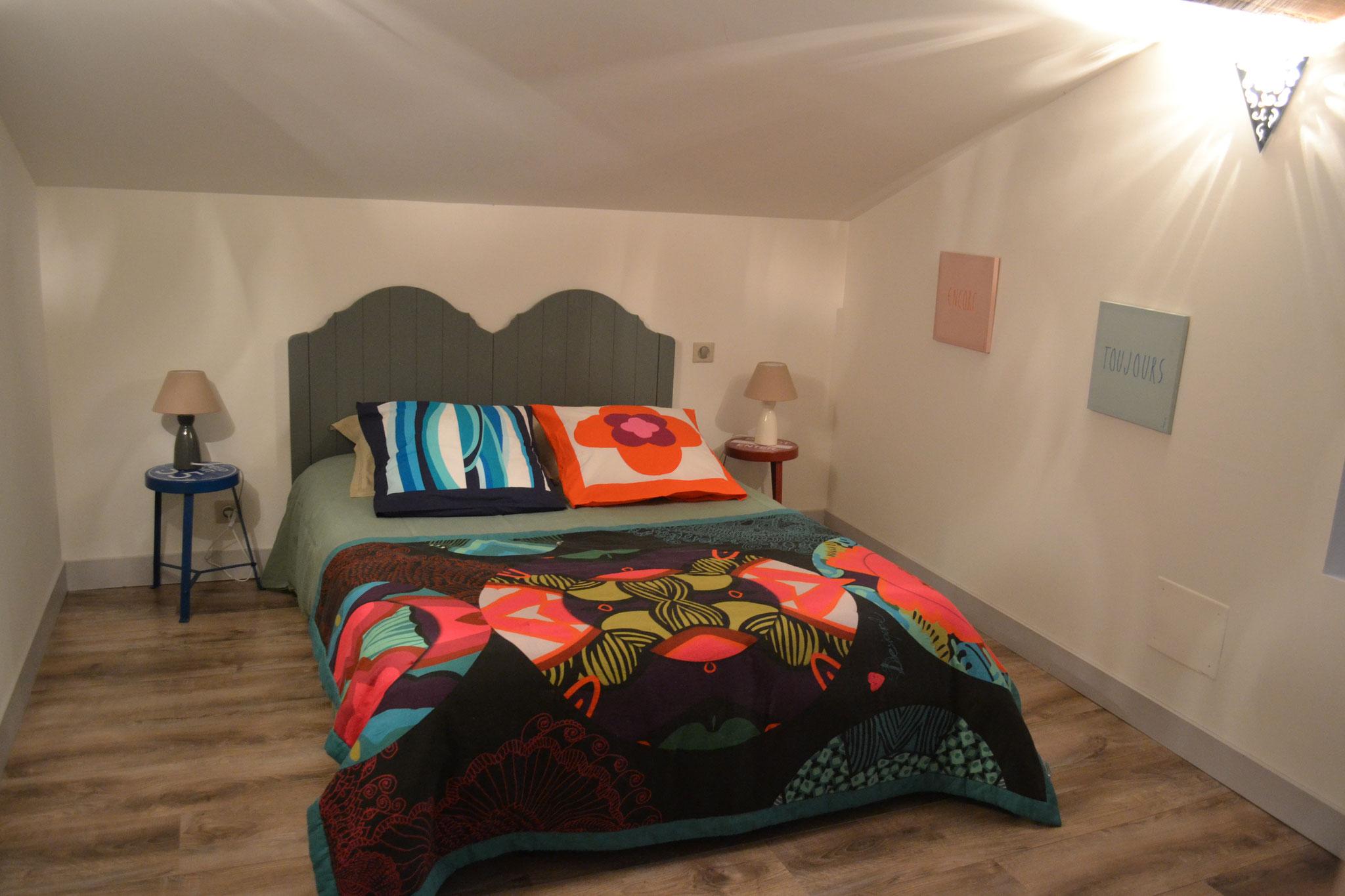 Chambre 3 - lit double 140*190 cm et deux lits superposés -  Gîte La Grange  - Gites du Maréchat à Cabariot