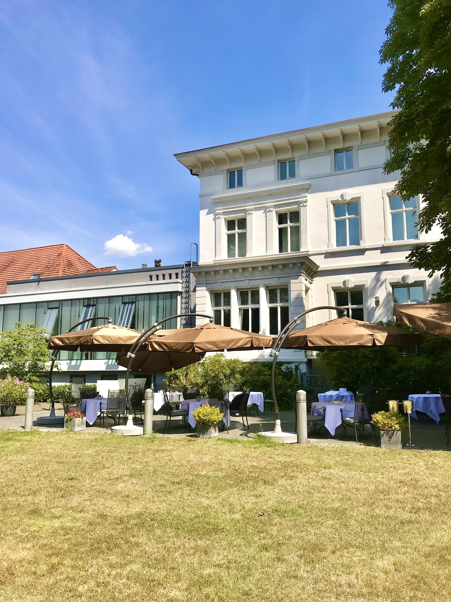 """""""GästeHaus Erfort"""" in Saarbrücken -  Die Terrasse"""