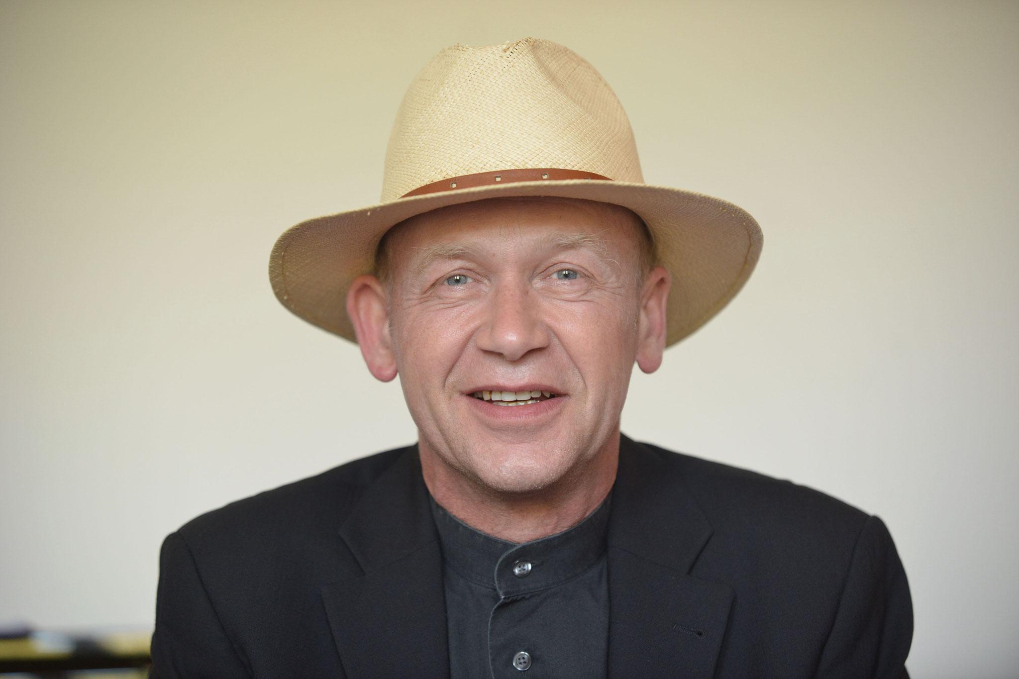 """Jens Mecklenburg - Autor """"Mythos Labskaus"""" und Herausgeber """"Nordische Esskultur"""" *"""