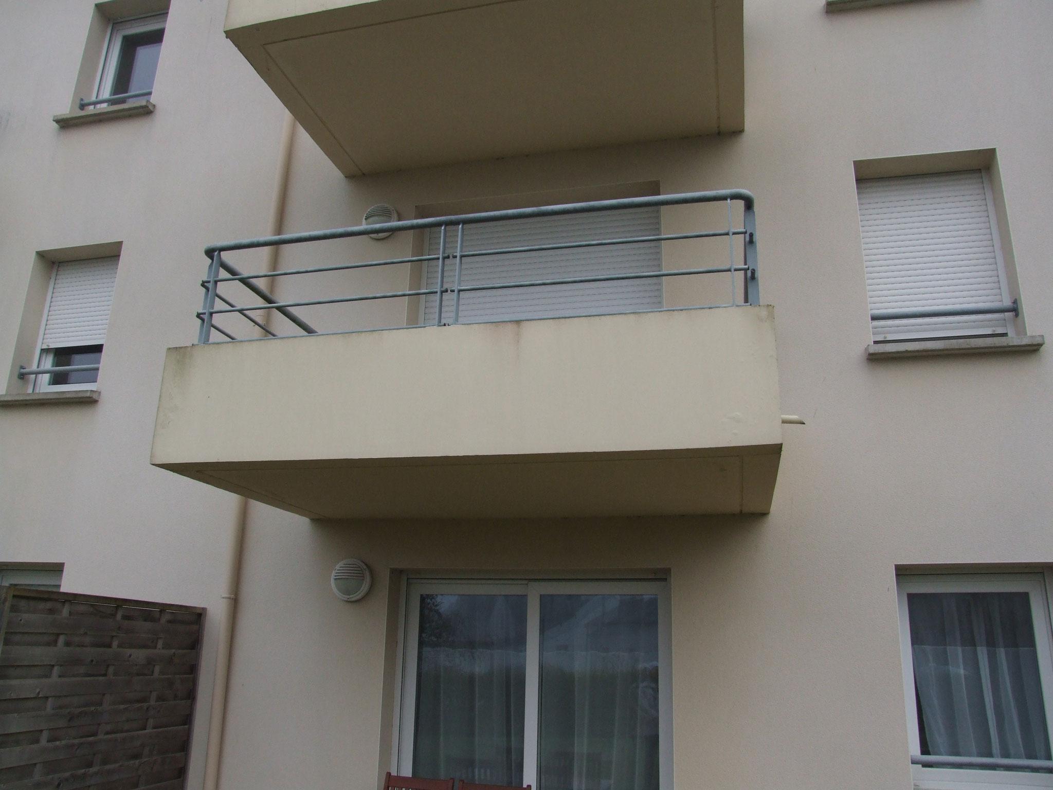 Immeuble d'appartements de ville : expertise sur balcons béton armé