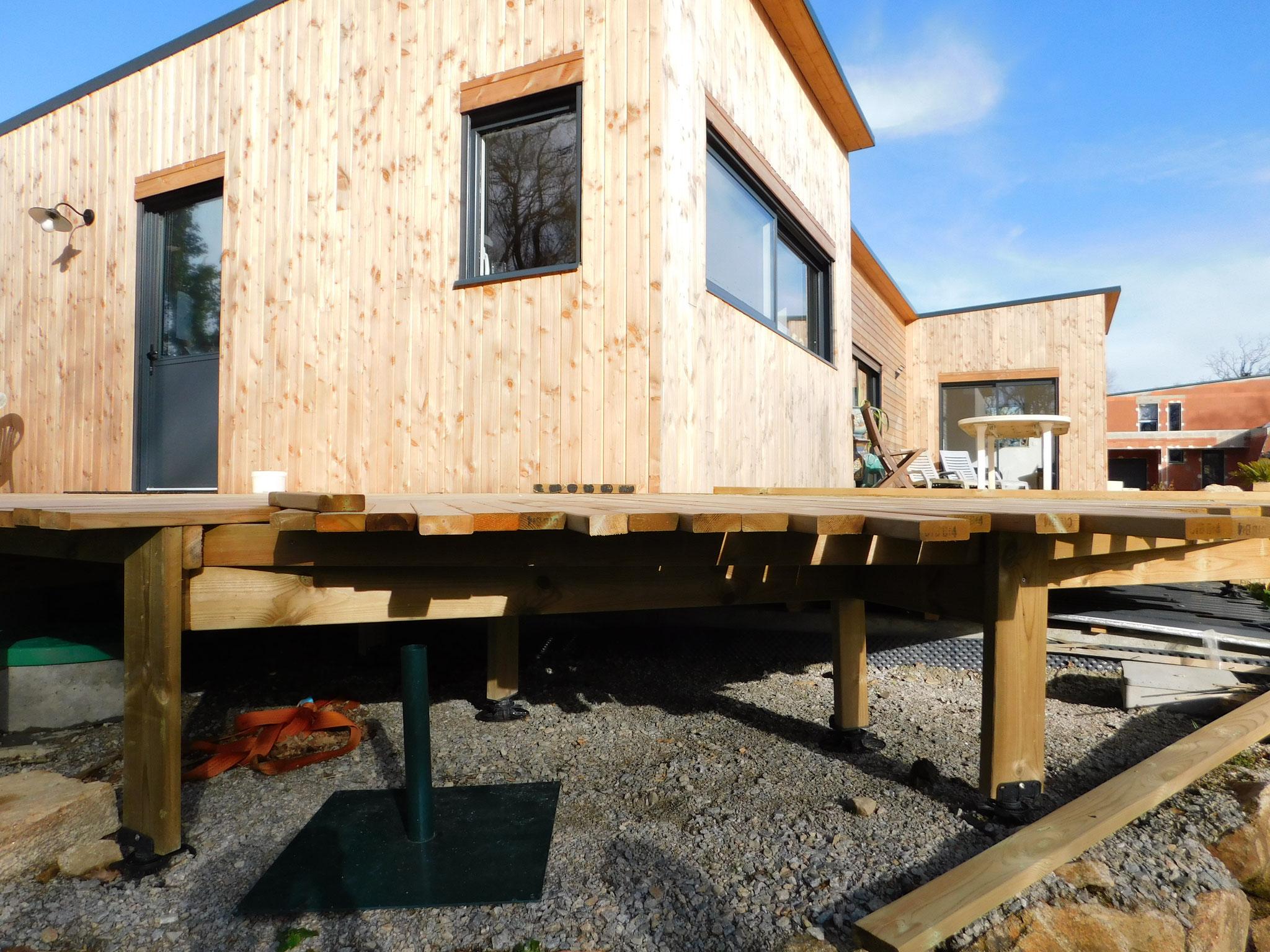 Maison en cours de construction : expertise malfaçons (bardage, terrasse, menuiseries, etc.)