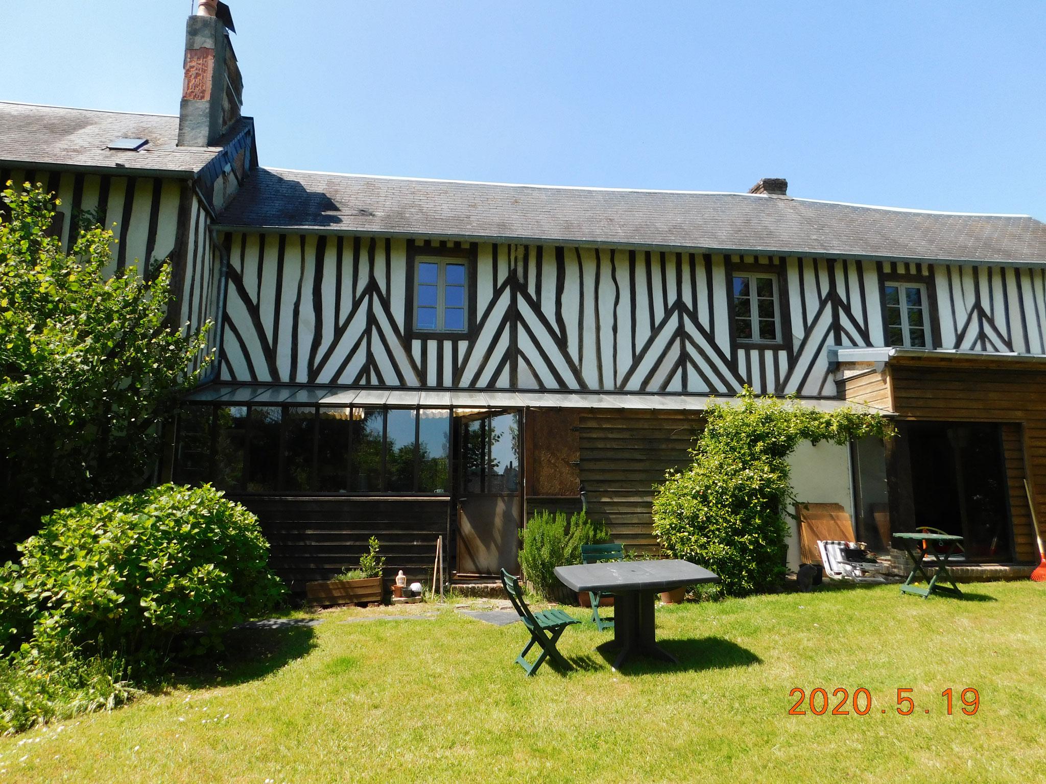 Maison à colombage (Calvados) : expertise fissuration et structure / enduits