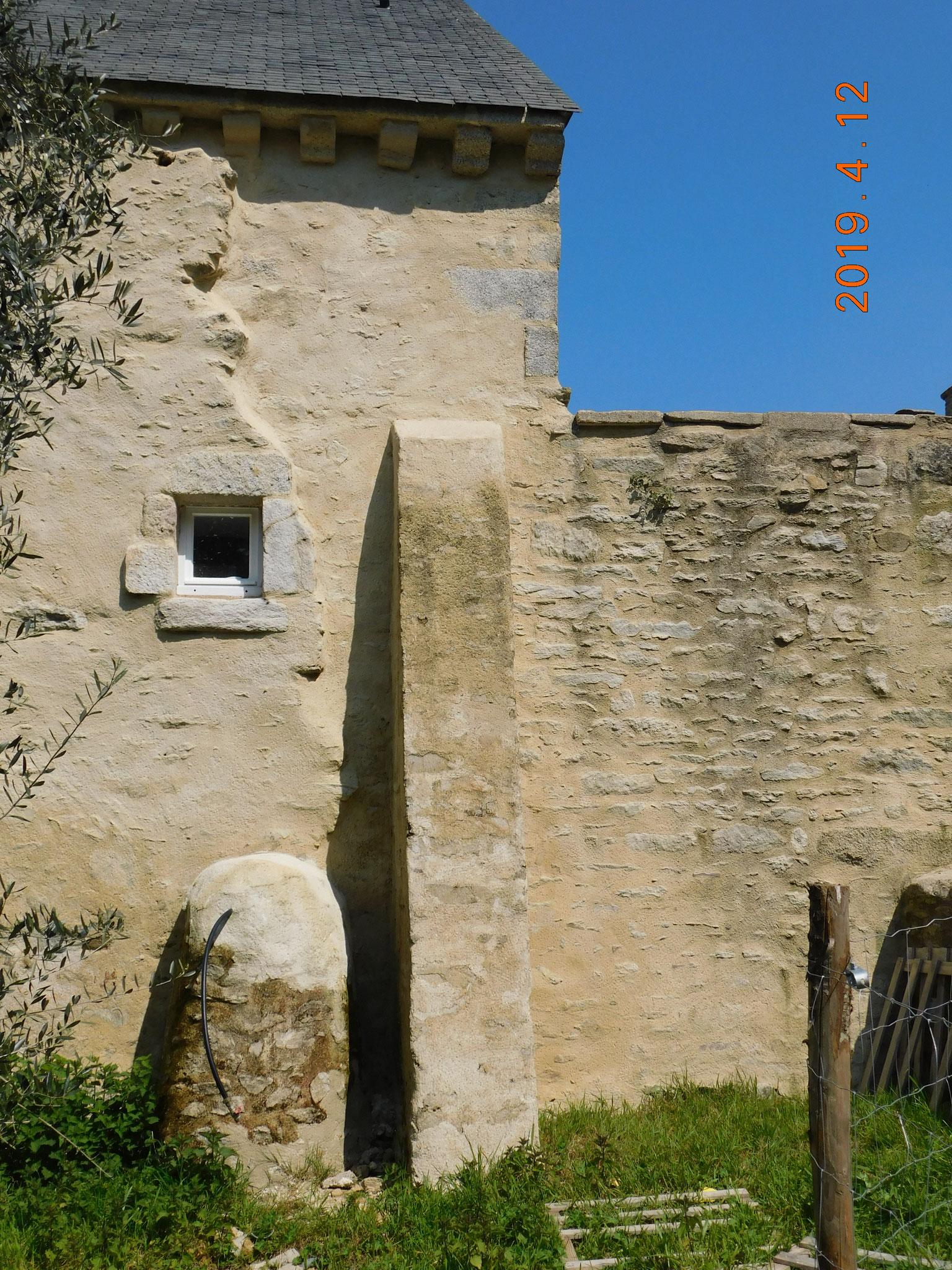Ancienne dépendance (Theix) : expertise état des maçonnerie en pierres en contre-forts