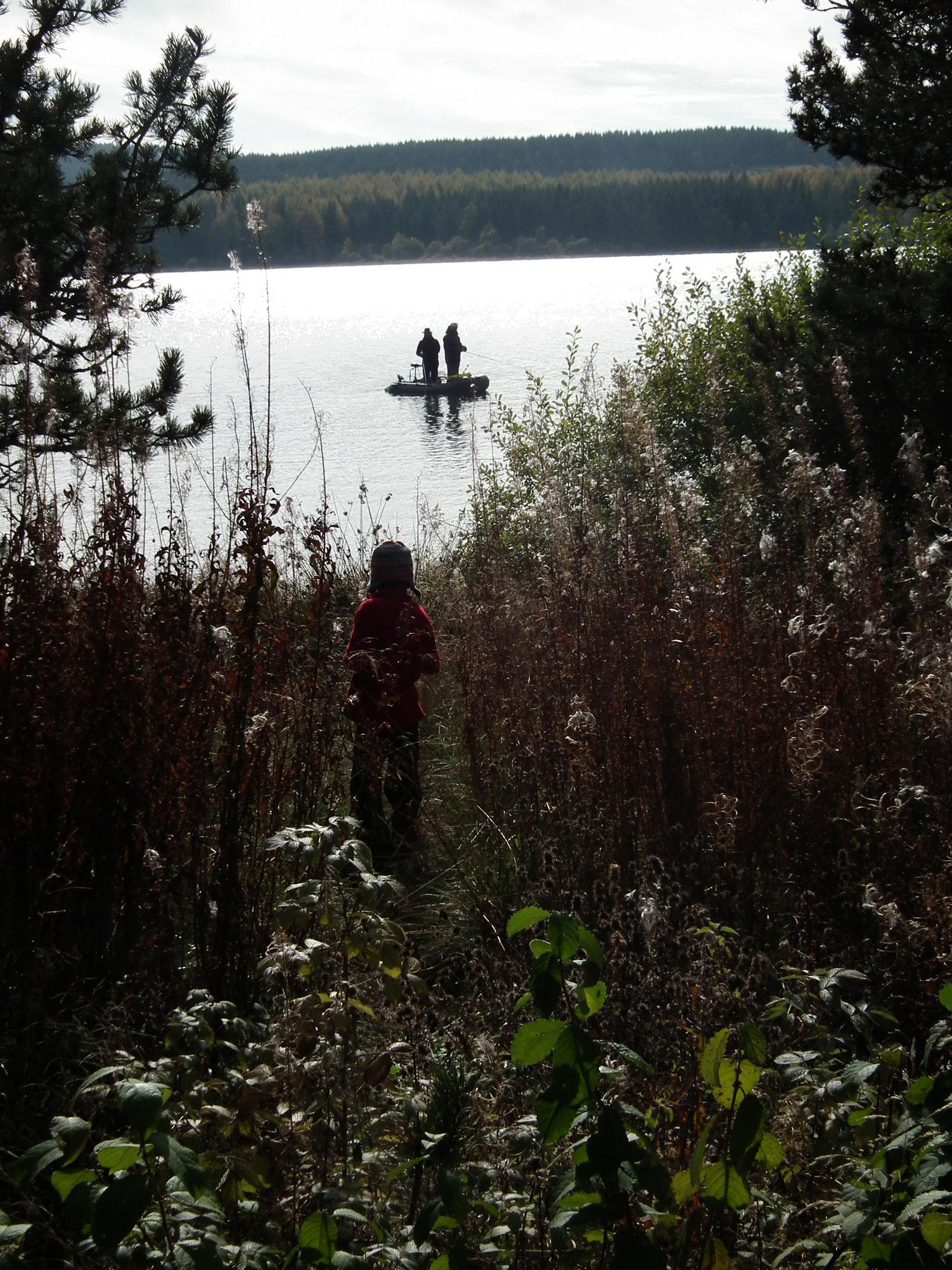 Lac Charpal: randonnée, pêche ...
