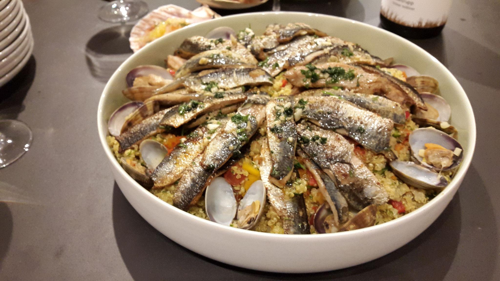 Sardinen und Venusmuscheln auf Cous Cous Salat