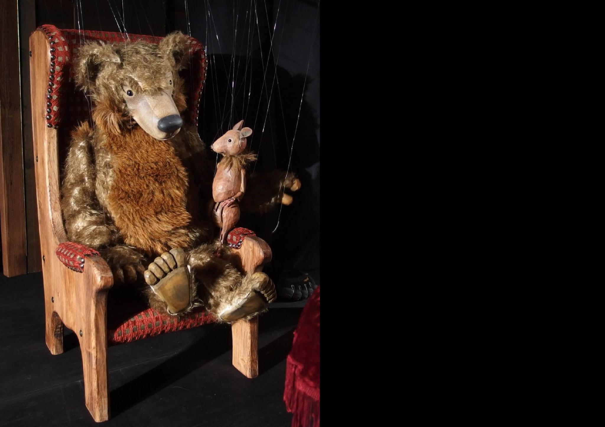Marionettentheater Löwenzahn: Besuch beim Bären