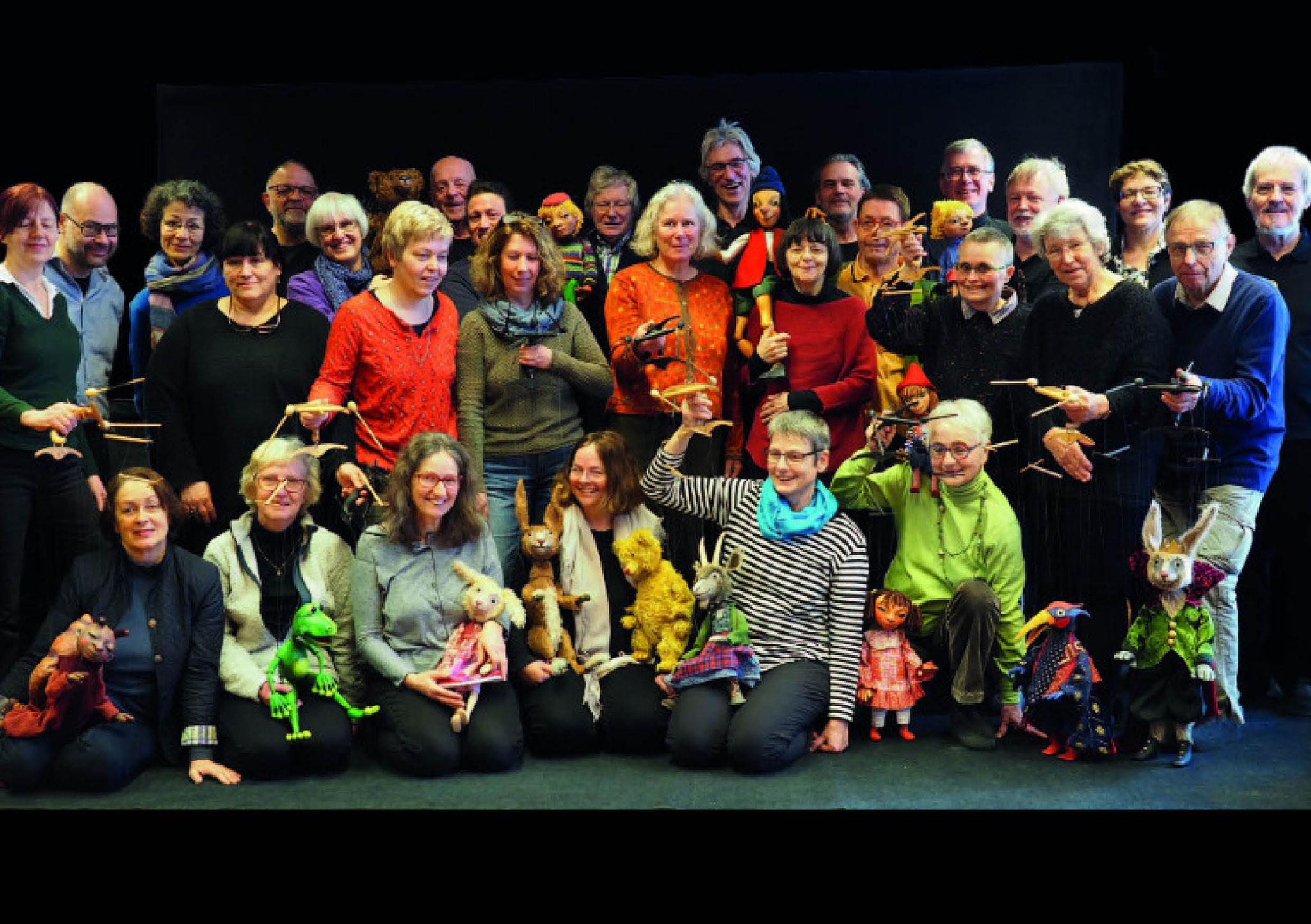 Verein KunstForm Marionette e.V.: 30 MarionettenspielerInnen aus Deutschland und der Schweiz gründen den Verein