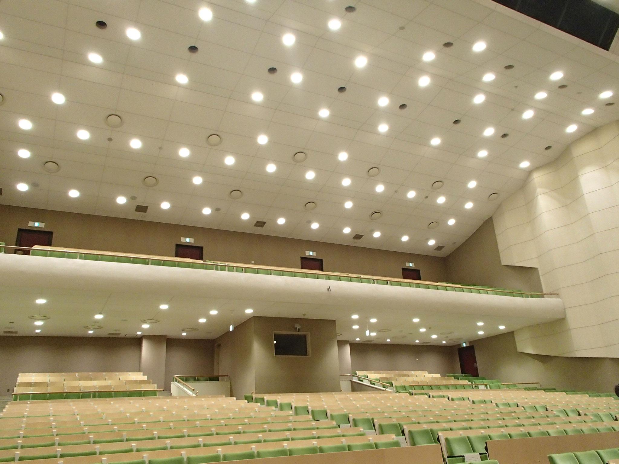 電気通信大学講堂照明改修工事