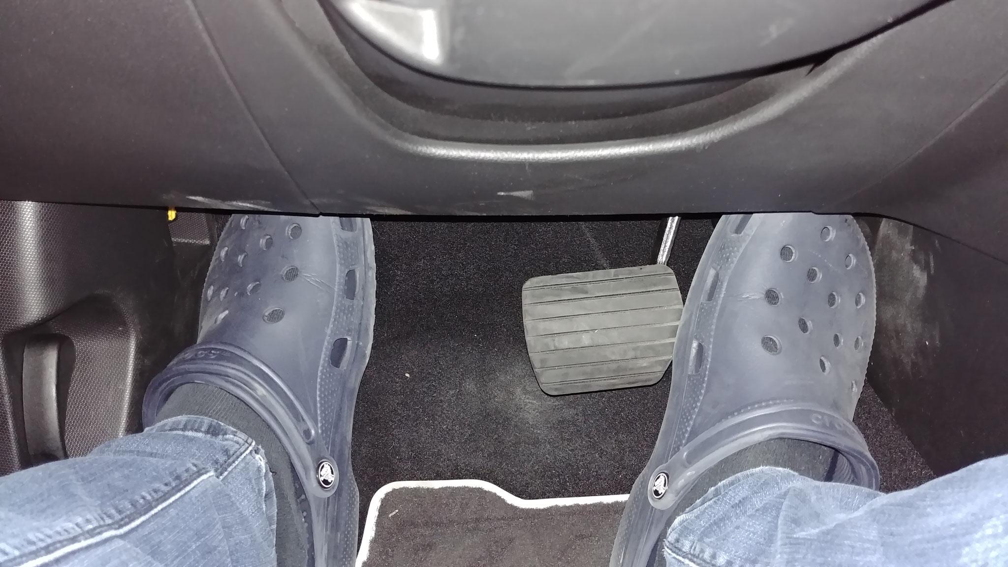 Nichts für große Füße: Die Pedale - ich trete öfters mal auf beide gleichzeitig.