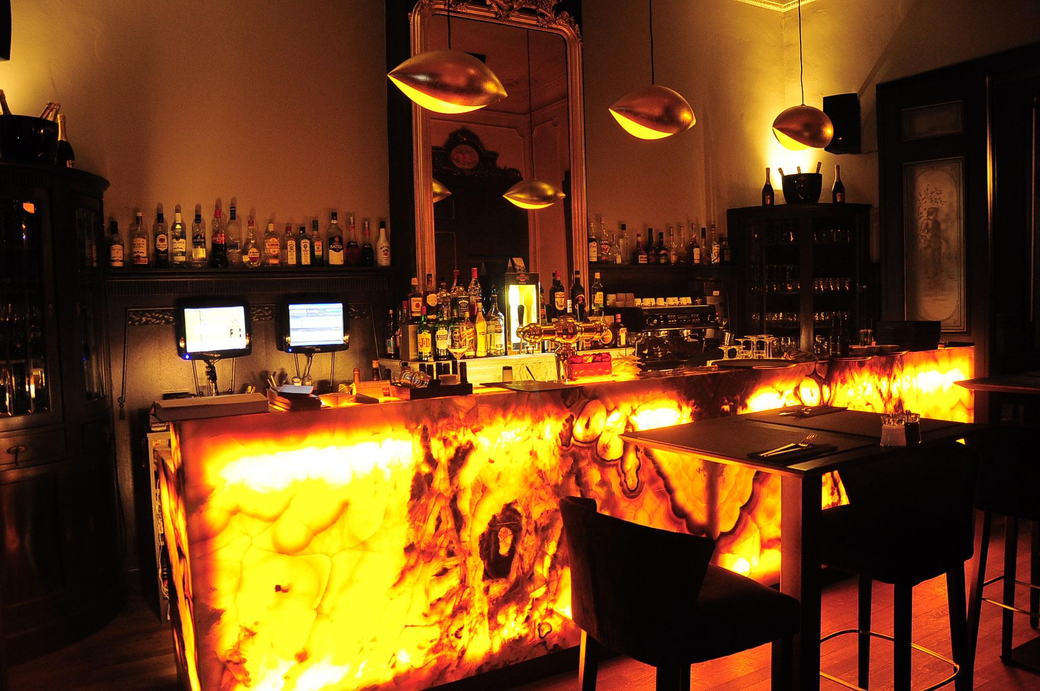 Project Onyx Bar uitgevoerd voor Atre Natuursteen