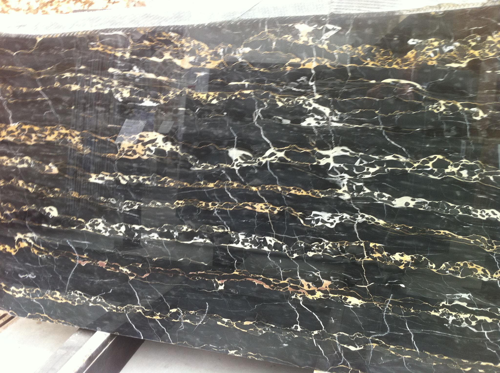 Nero Portoro marble