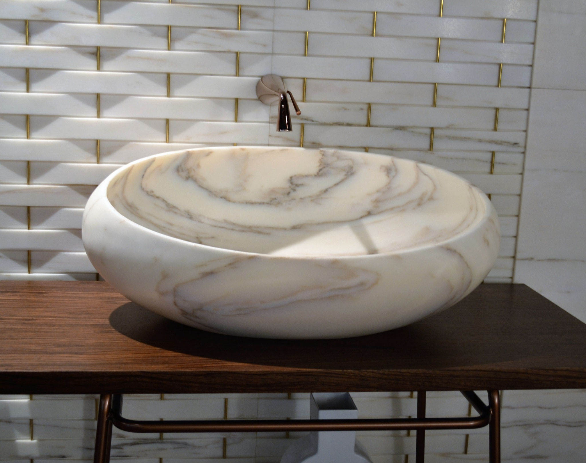 Calacatta wash bowl