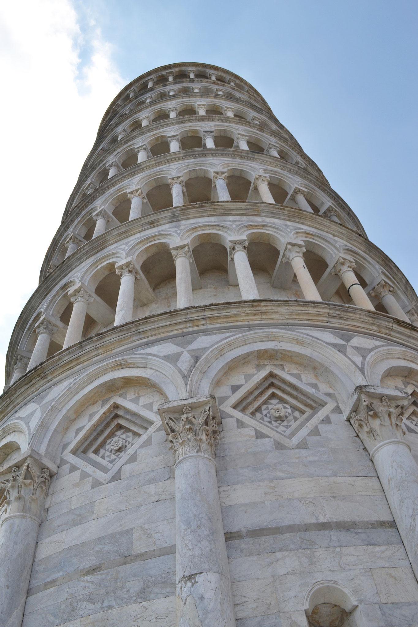 Van 1990-2004 gerestaureerd zodat toren niet omvalt. Ze hebben helling van 4,5 meter naar 4 meter terugebracht.