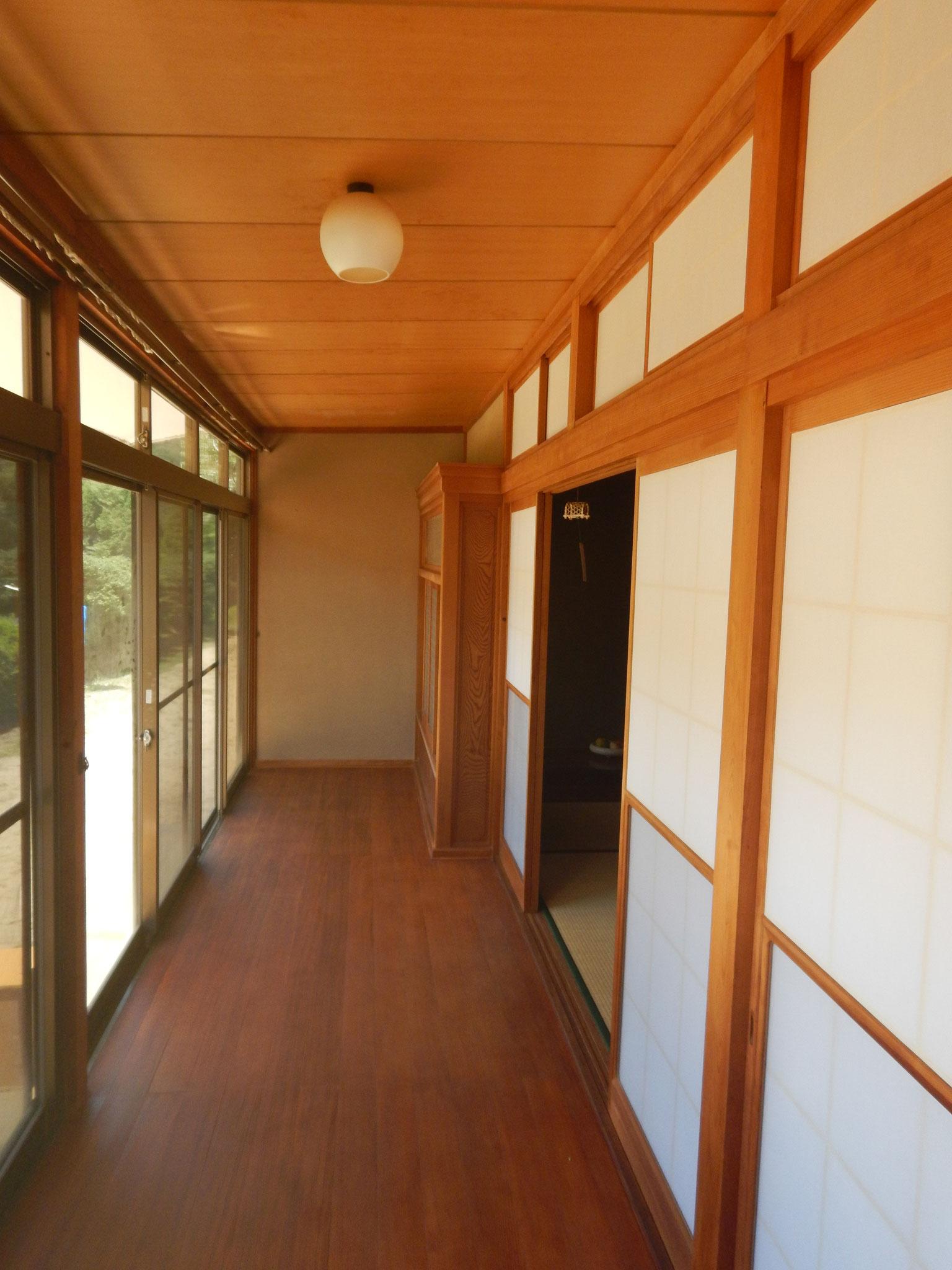 客室側の縁側
