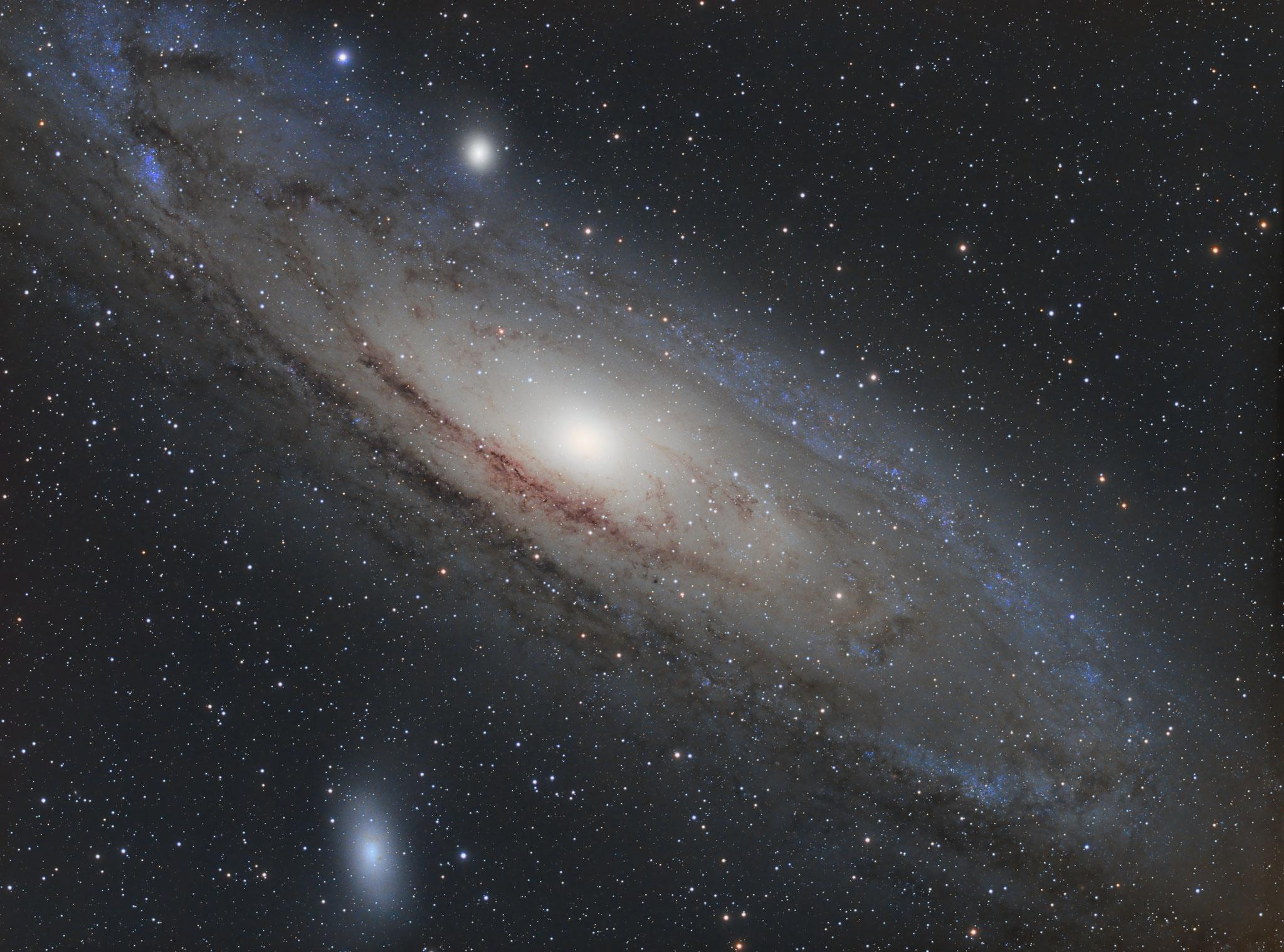 M31, APM LZOS 130/780, Riccardi-Reducer f=585mm; L=510x60s, RGB je 60x60s