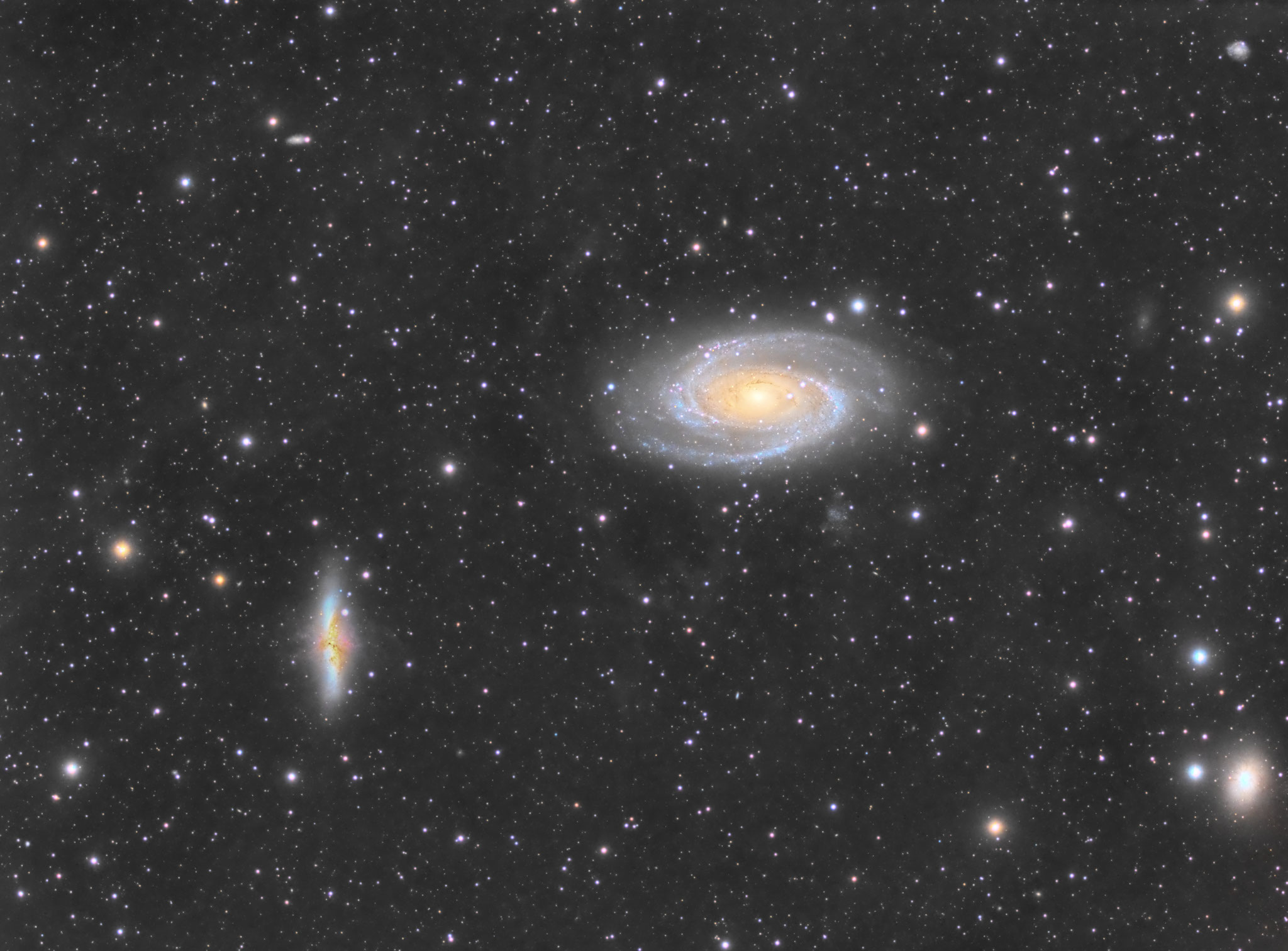 M81 Gruppe, APM LZOS 130/780, Riccardi-Reducer f=585mm, L=240x120s, RGB je 40x120s (Aufnahmen bei Mondschein), Integrated Flux Nebula ansatzweise erkennbar