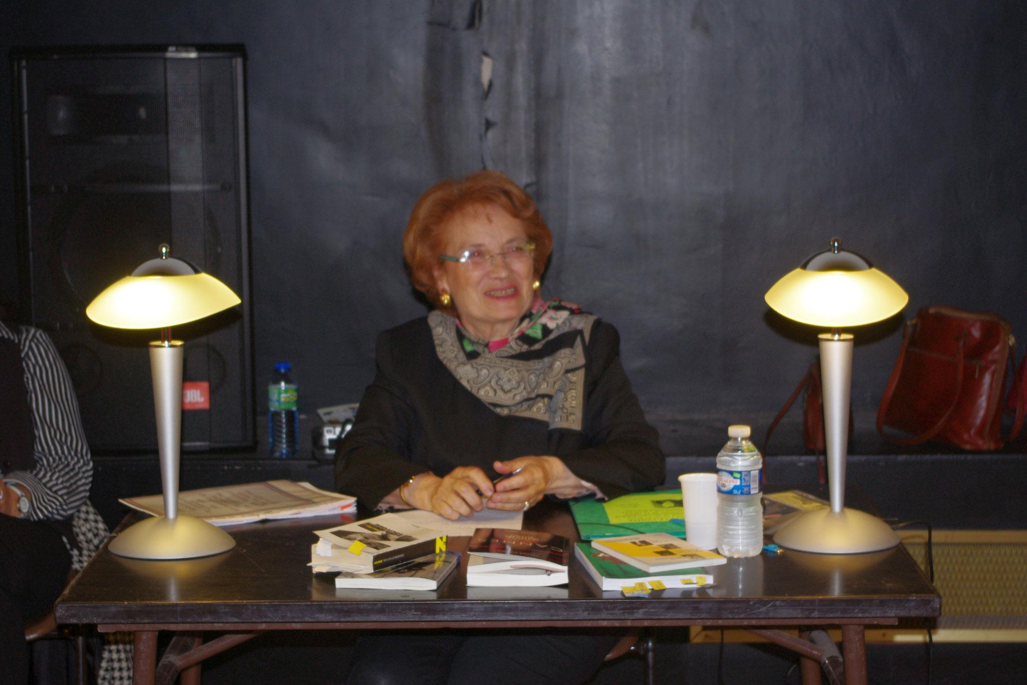 Mme Yvette Canin