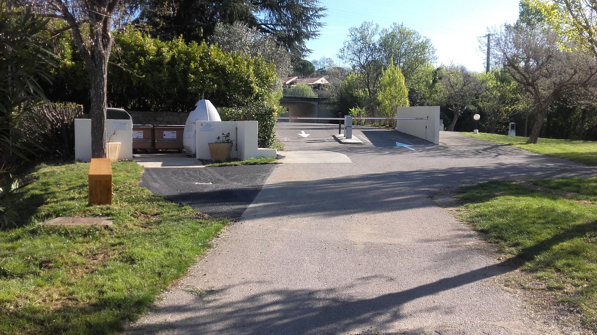 Barrière et Aire de Service pour les camping-cars