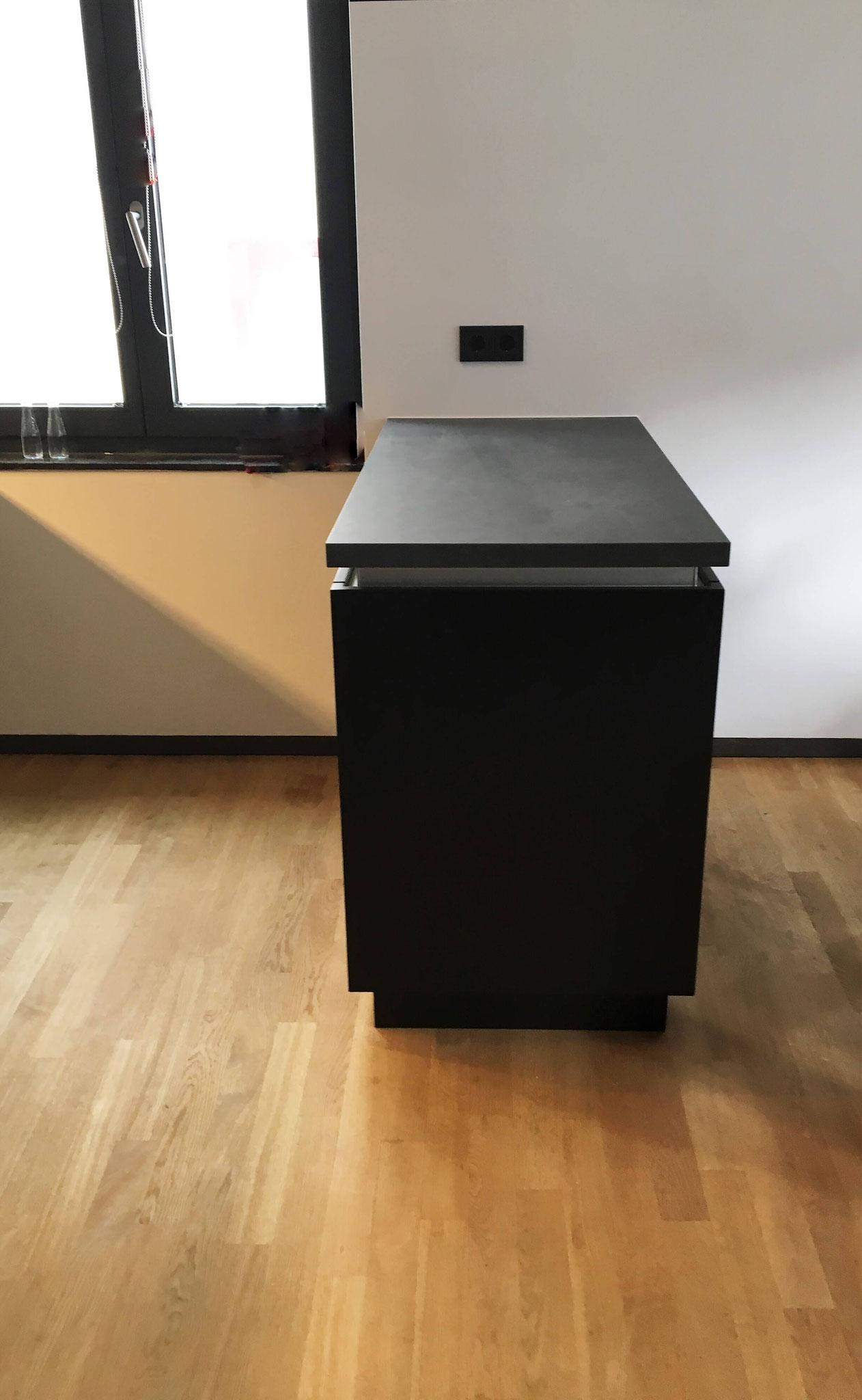 Raumteiler Küche - Inselblock Schreinerei - Holzdesign Rapp Geisingen