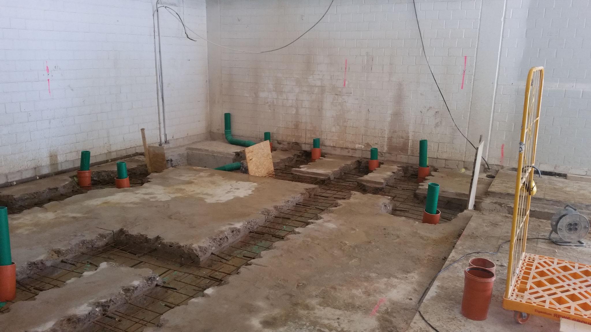 Entwässerungsarbeiten im Innenbereich