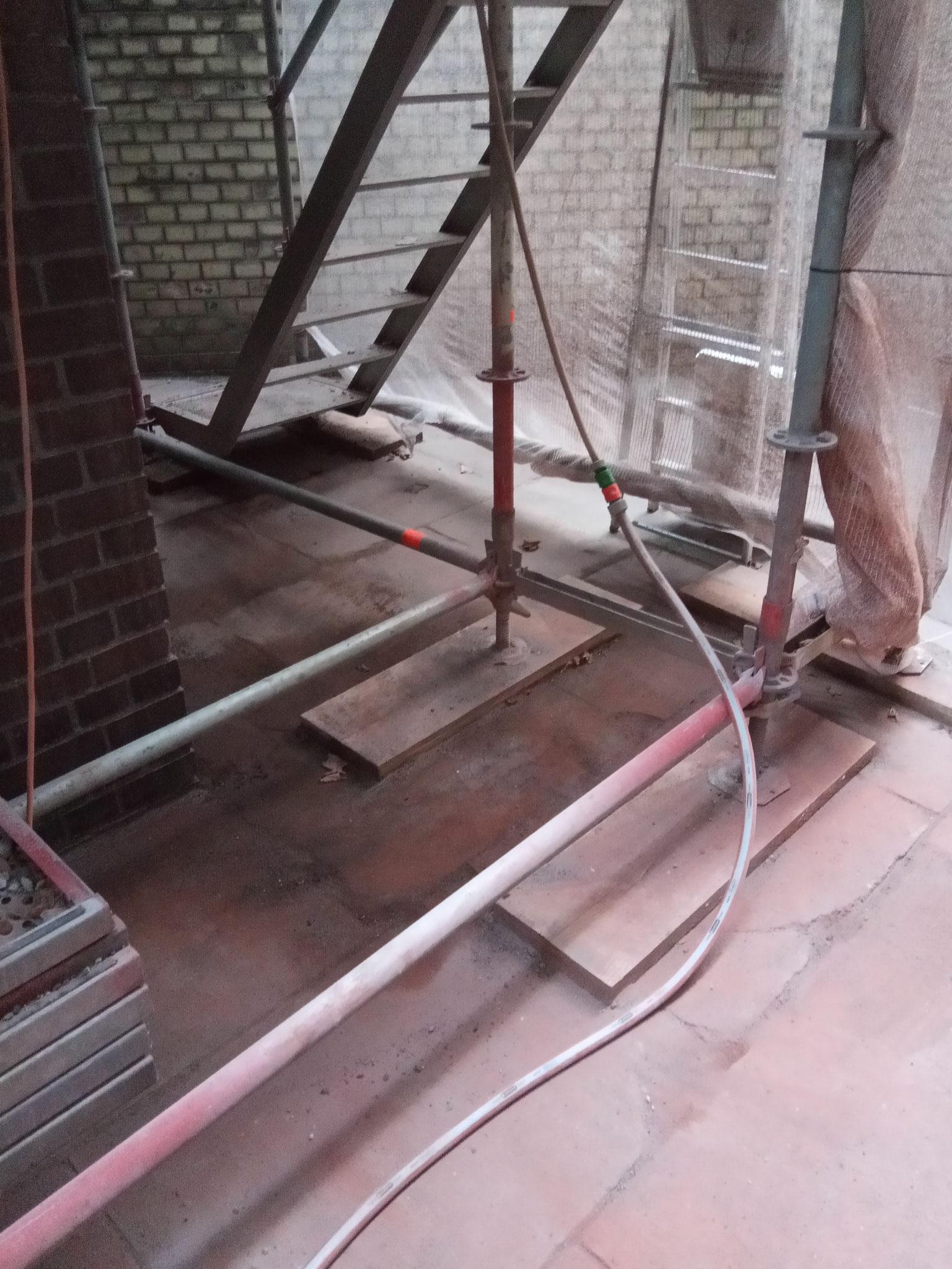 Sanierung Industrieschornstein -Sauberkeit auf der Baustelle
