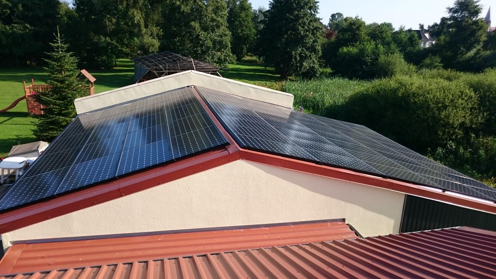 26,16 kWp Sunpower mit Solaredge Wechselrichter OST/WEST inkl. Speicher und Cloud in Bützow