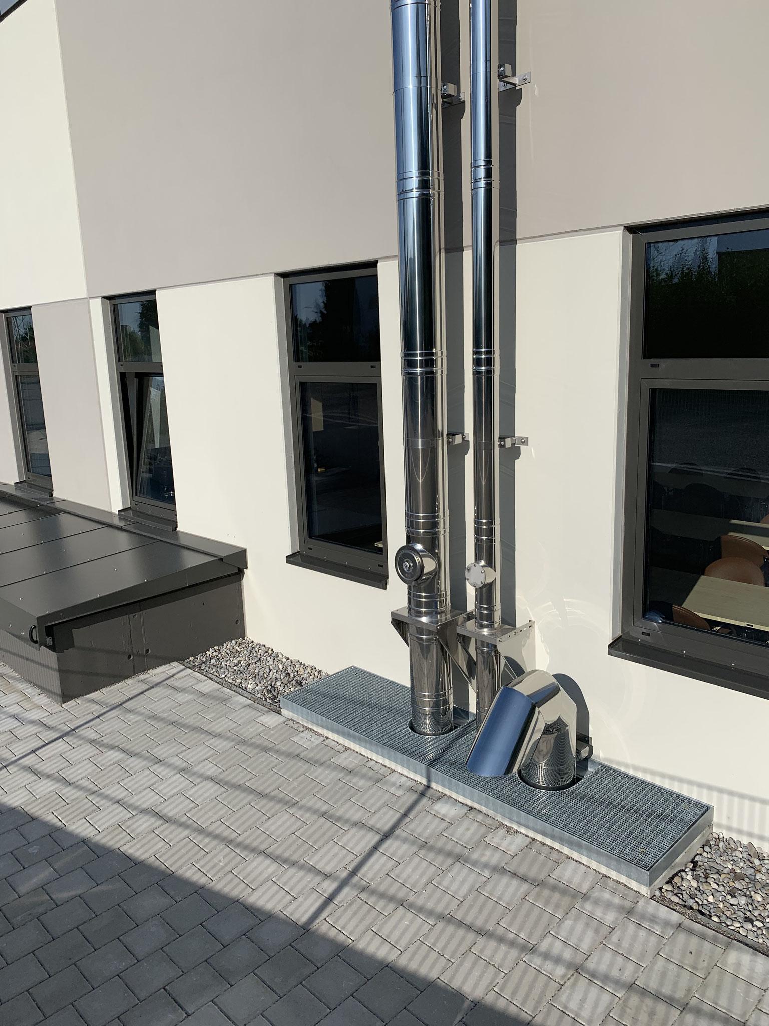 Außenkamin BHKW und Gasbrennwertanlage