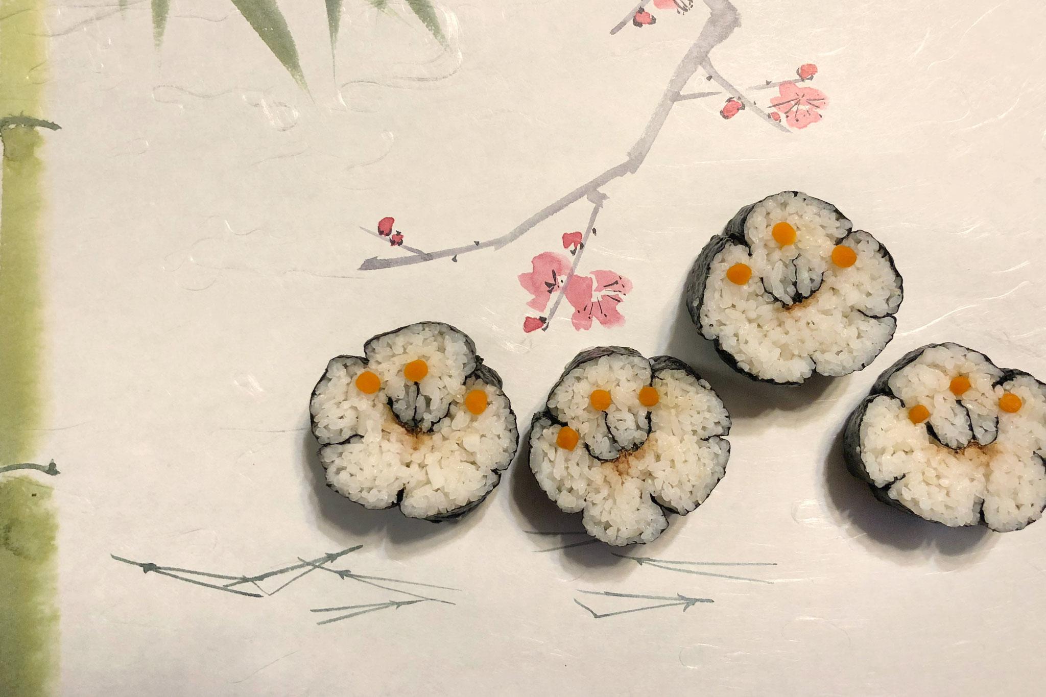 「梅巻き」秋山商店さんの鰹節と大根なますが入ってます。