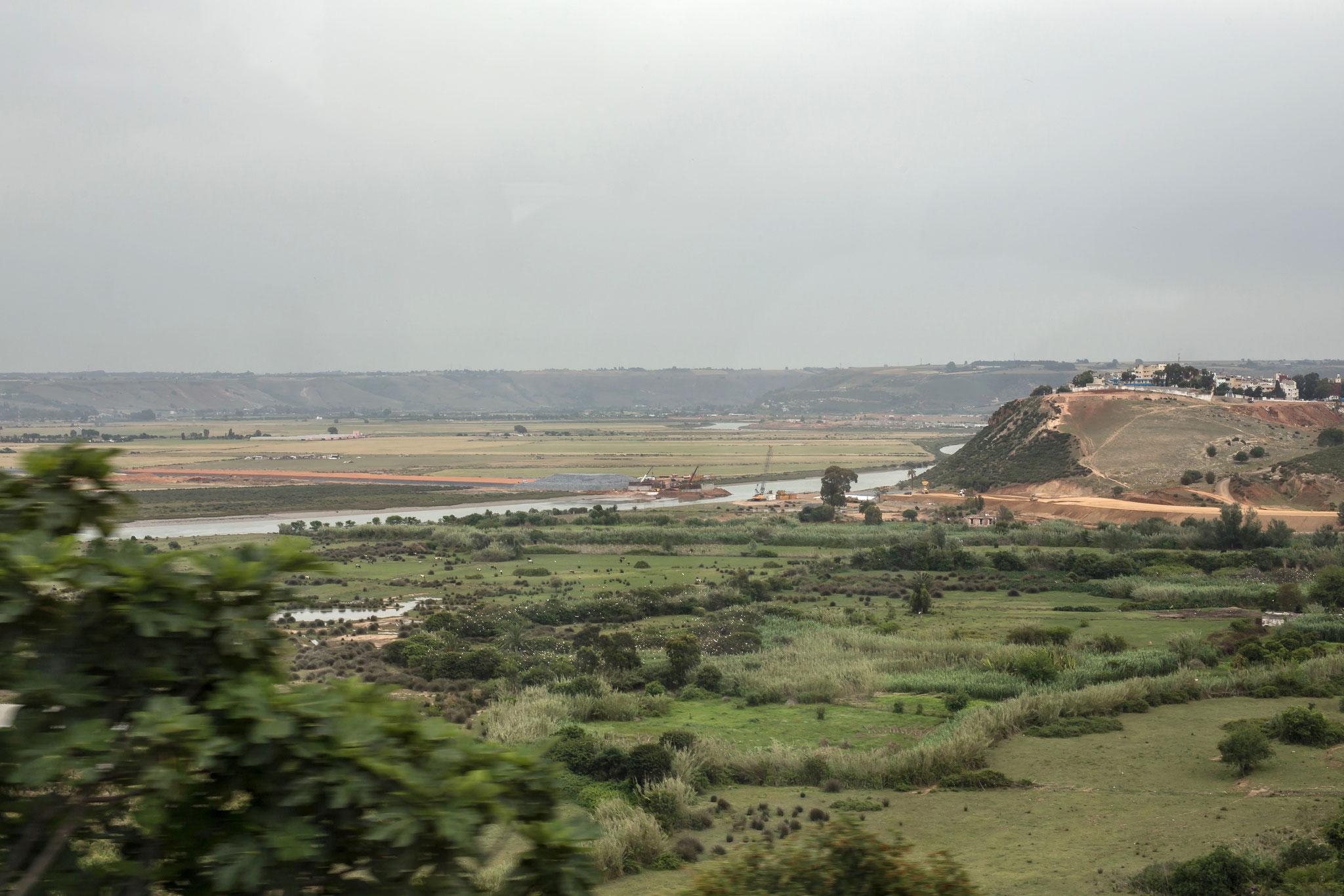 Blick auf das Schwemmland des Bou Regreg.