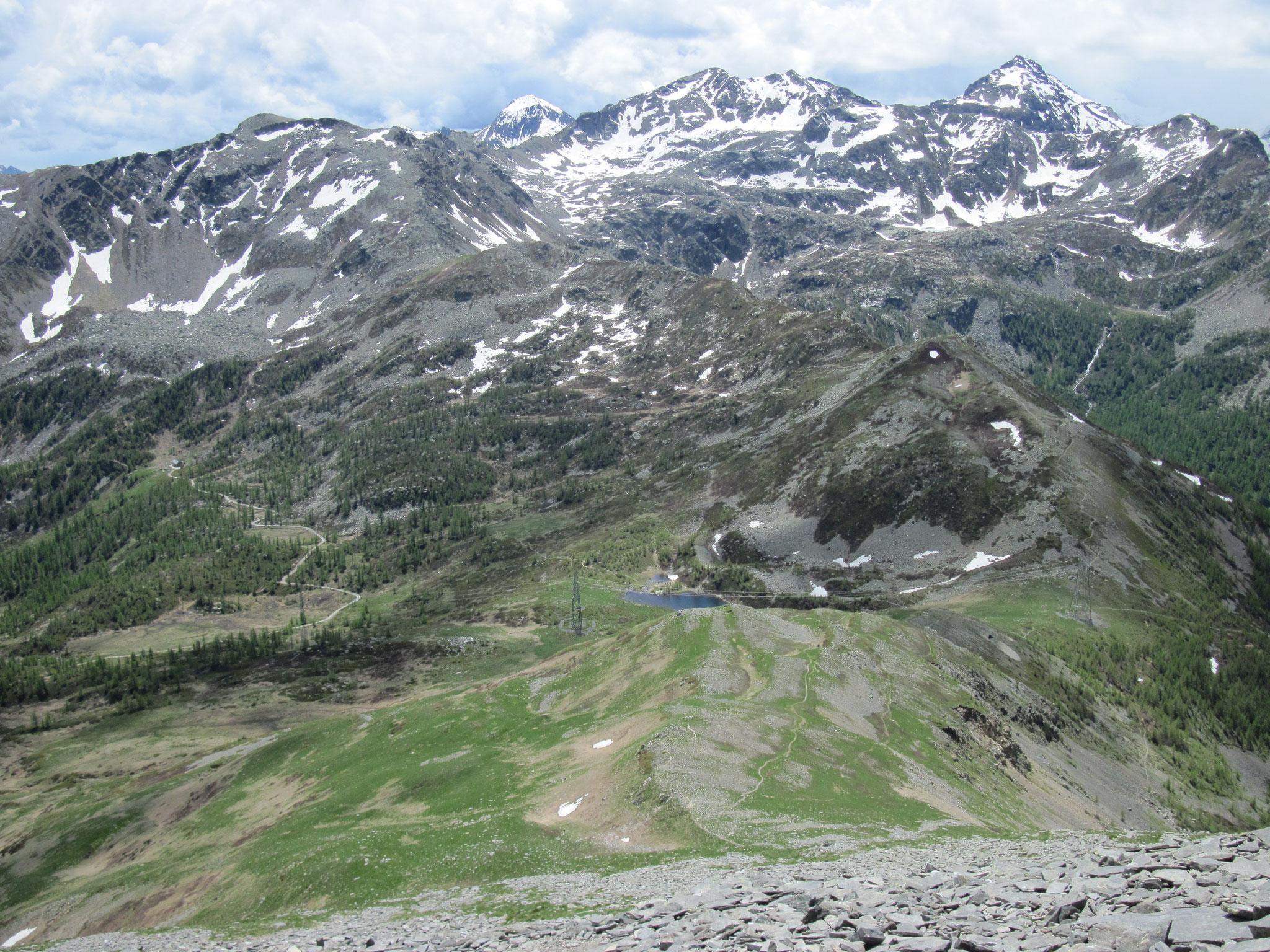 Ausblick zum Passo di Monscera und die Tschawinerregion