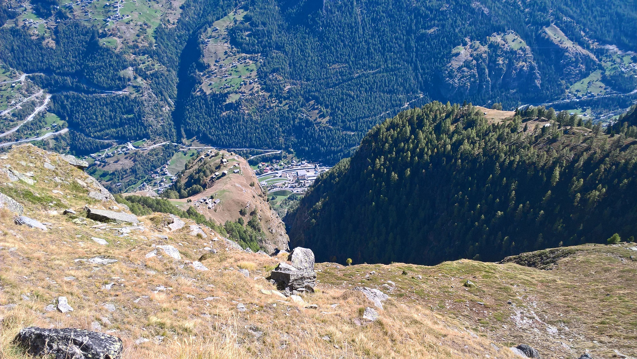 Ausblick nach Alp Sparru und Sällflüe