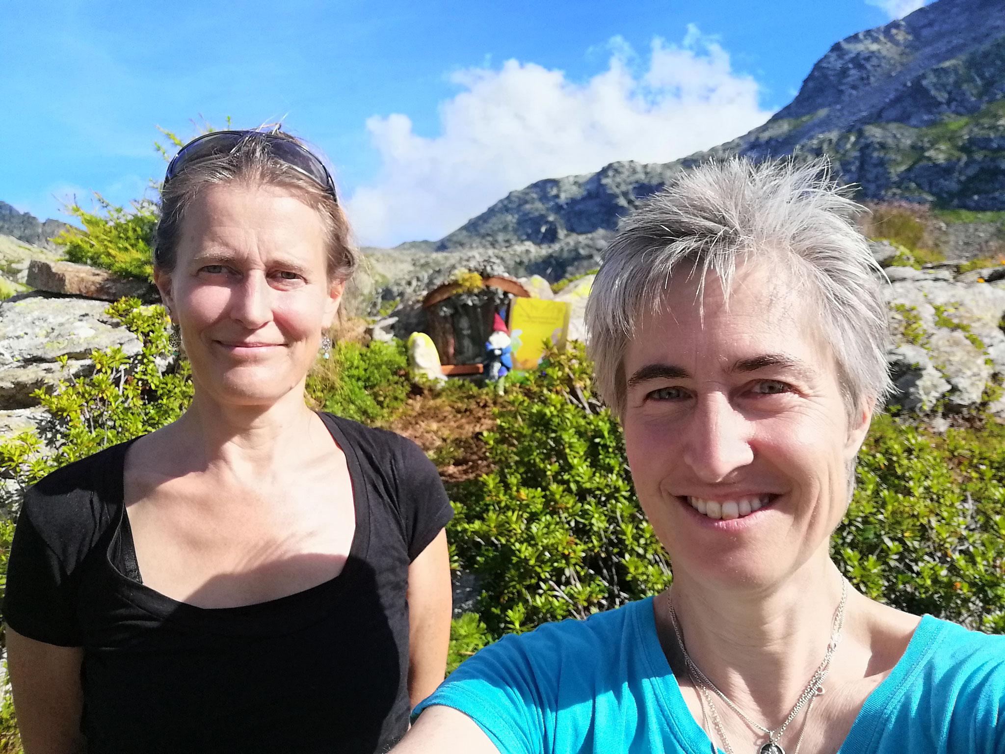 Die Bilderbuchautorinnen Sabine Szabo und Cornelia Zürrer