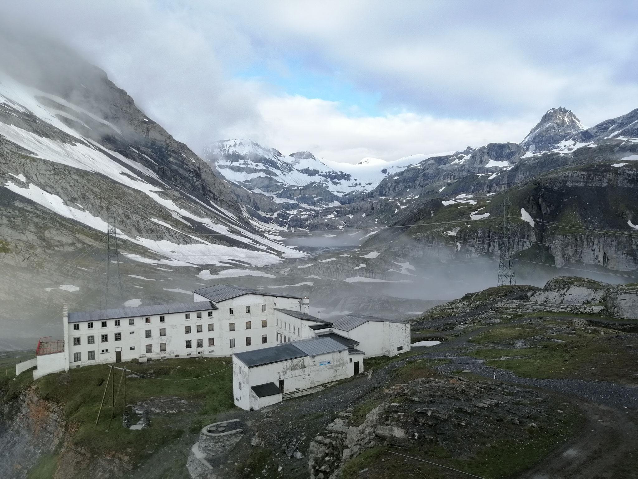 Altes Hotel auf der Gemmi