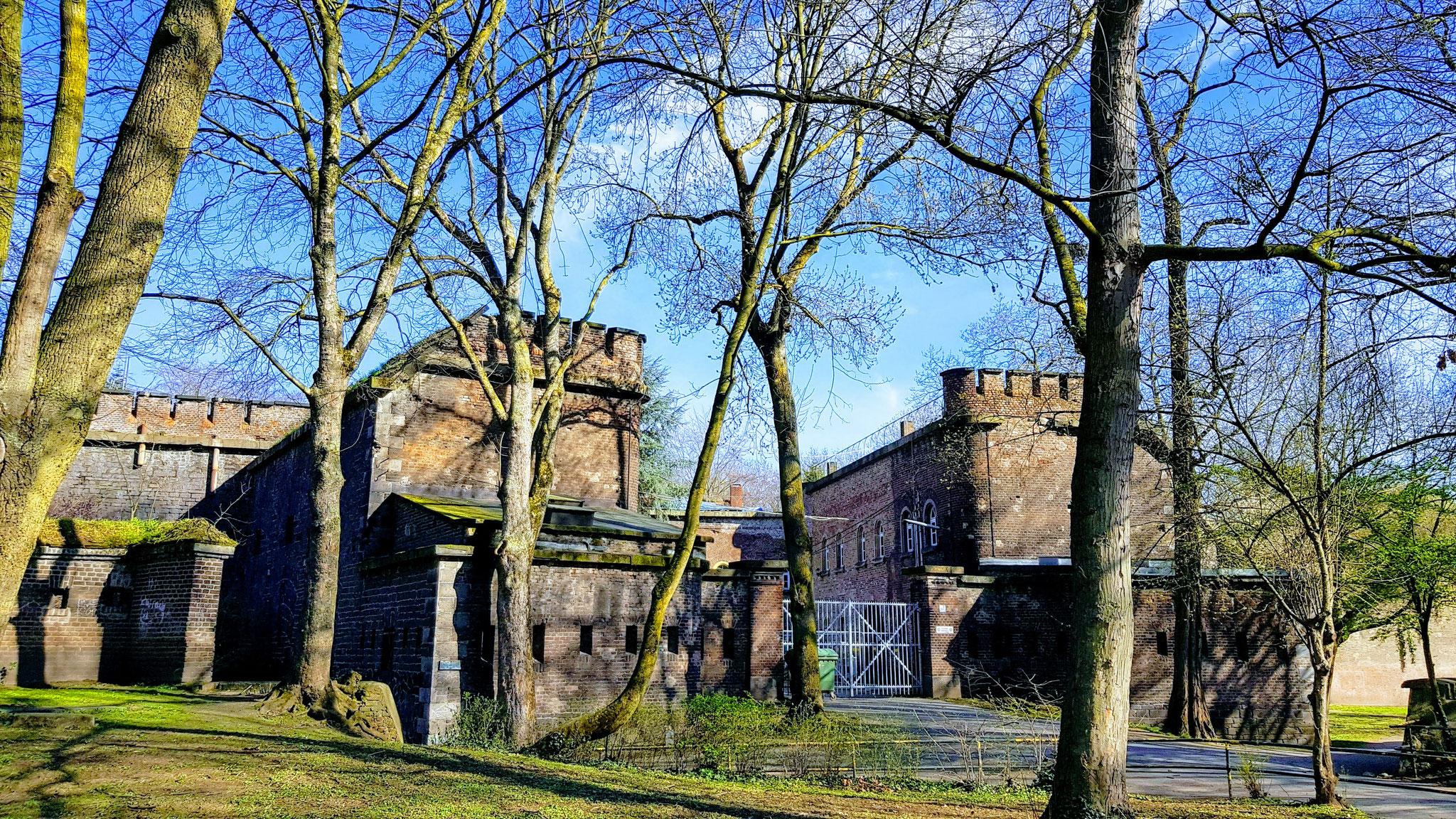 """Preußen-Tour - Fort X """"Prinz Wilhelm von Preußen"""", eröffnet 1825 (heute: Innerer Grüngürtel, nahe Zoo)"""