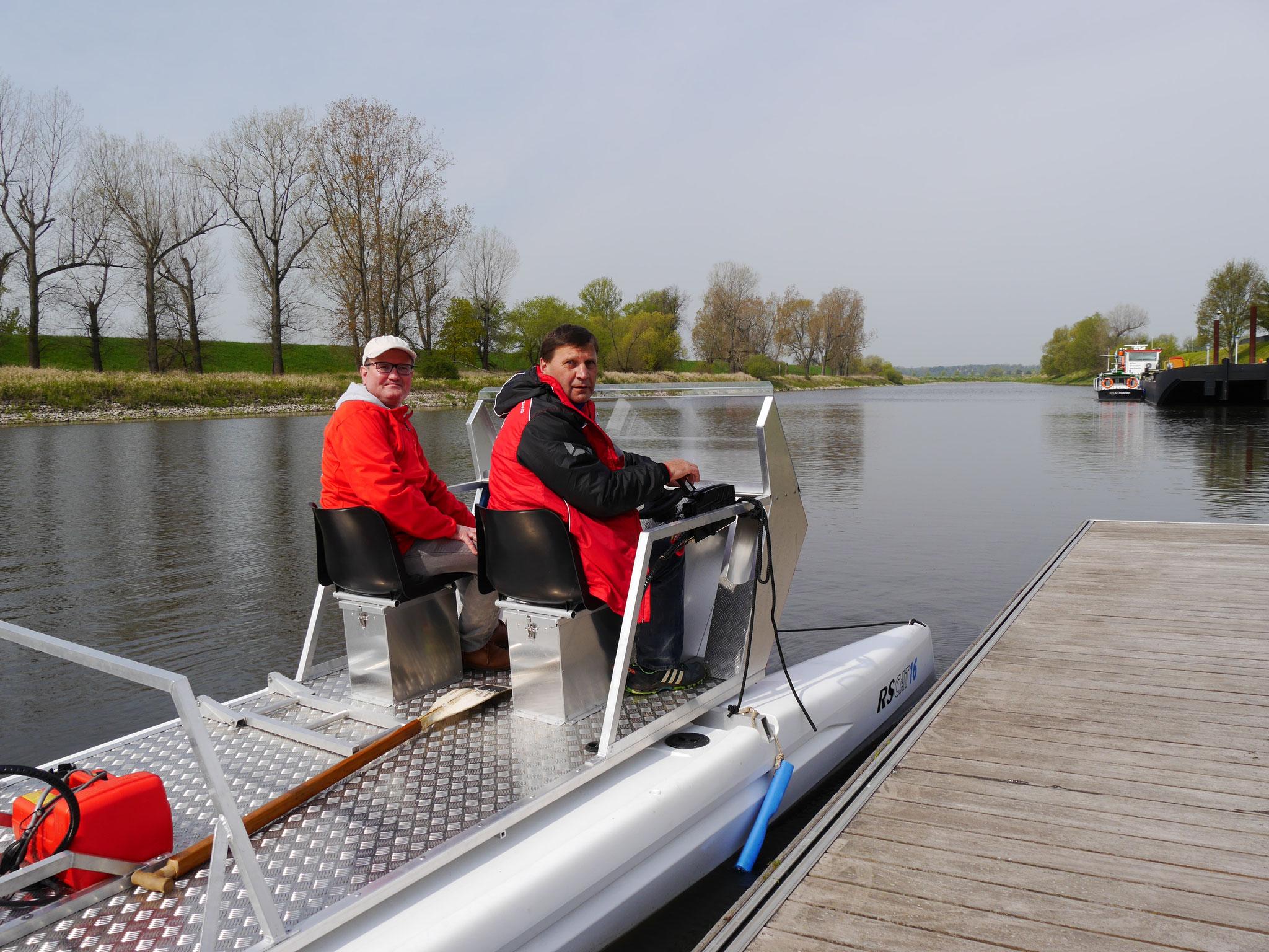 Allzeit gute Fahrt bei den vielen Trainingsstunden auf der Elbe!
