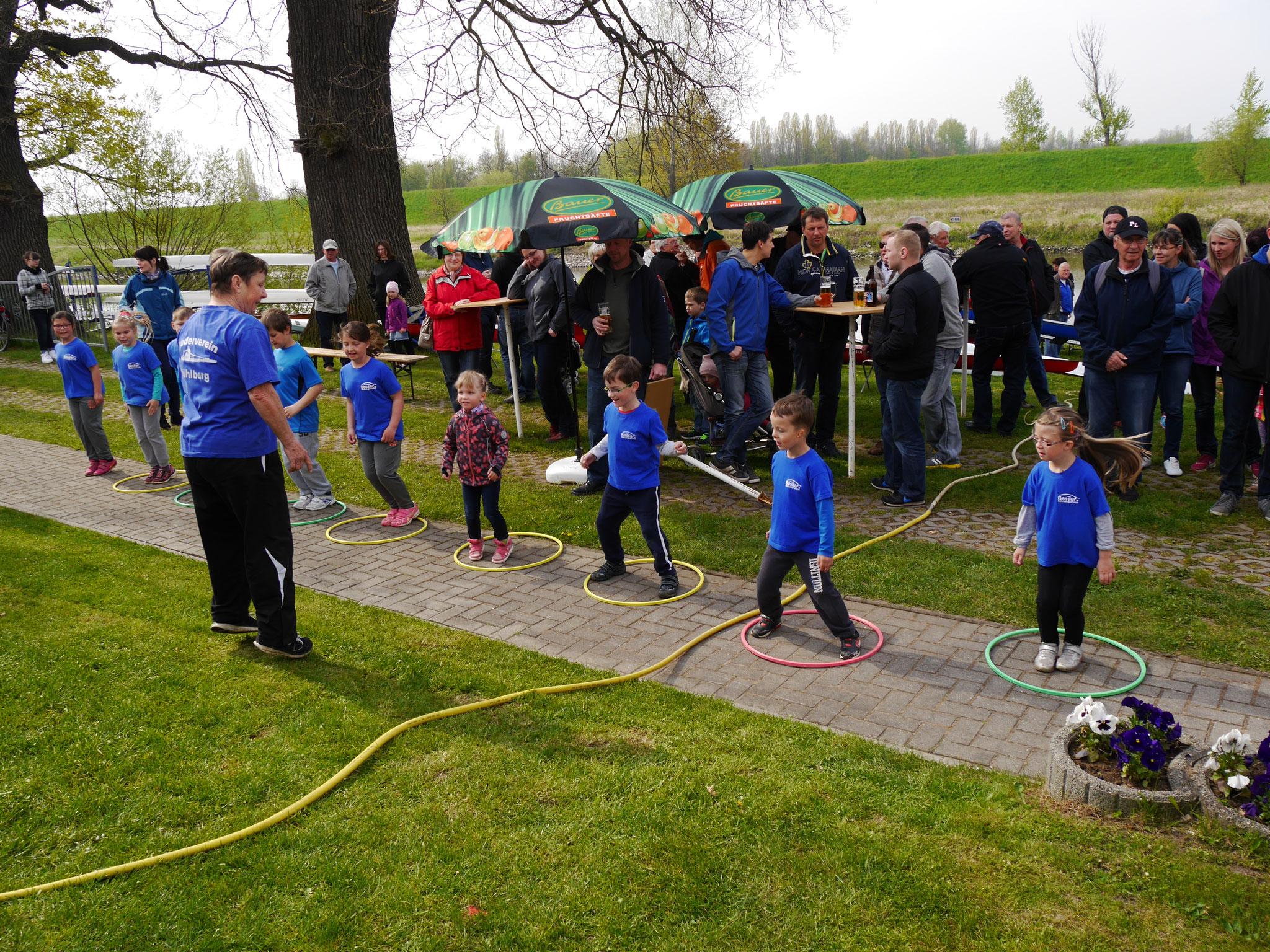 Die kleinsten Vereinsmitglieder zeigten uns eine tolle Gymnastik unter der Leitung von Renate Slembeck.