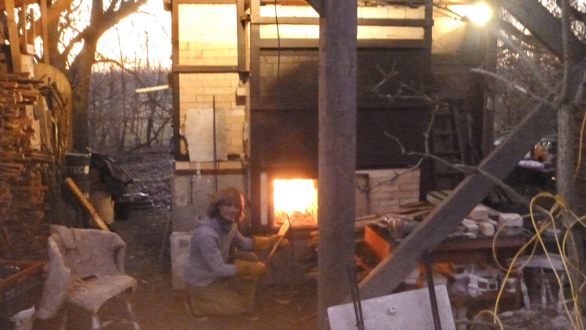 Sabine beim Feuern