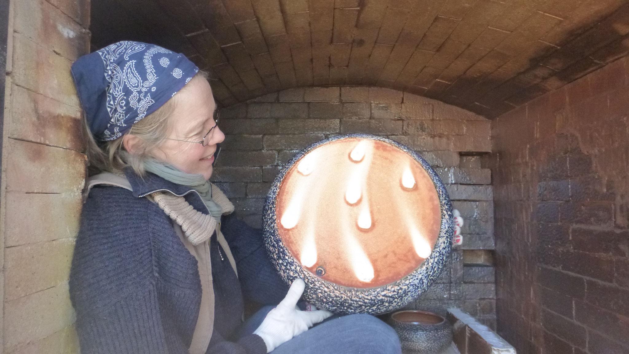Margret mit einem Stück von Sabine mit schöner Feuerfärbung
