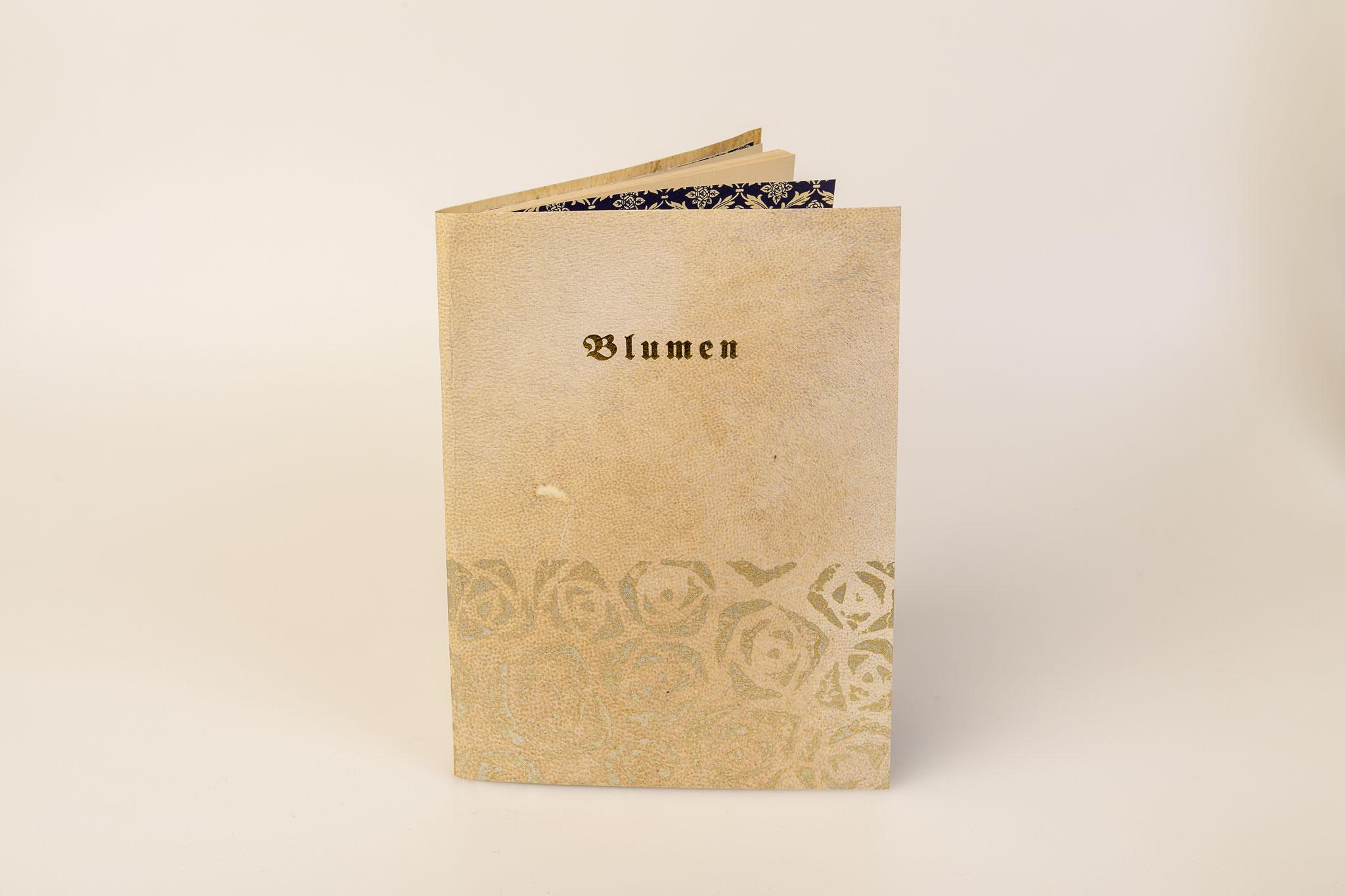 Blumen, Gedichte, illustriert von J.L. Gampp, Pergamentbroschur, bedruckt, Goldtitel, Euro 230.-