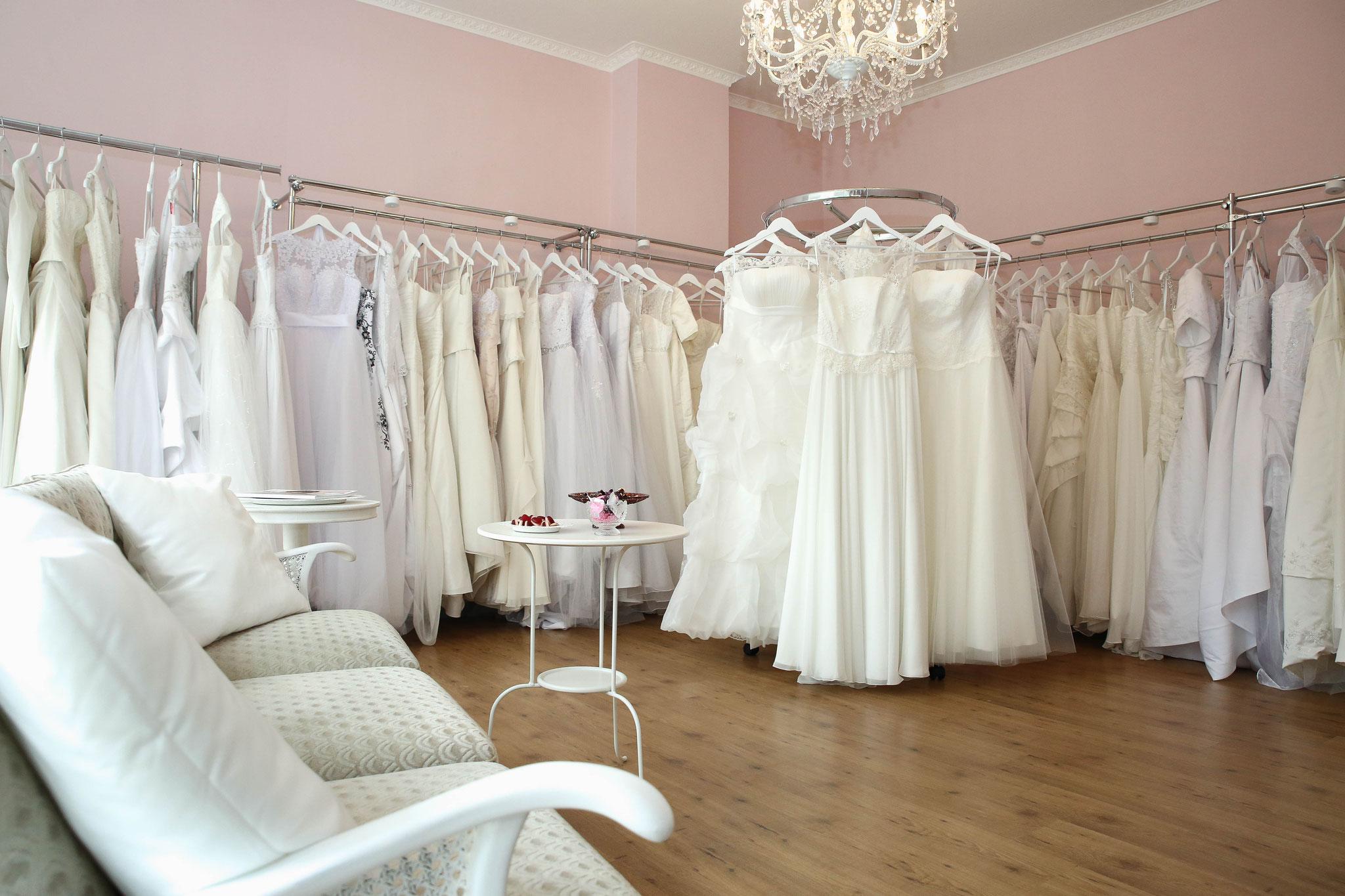 Second Hand, Vintage und neue Brautkleider - alice & eve