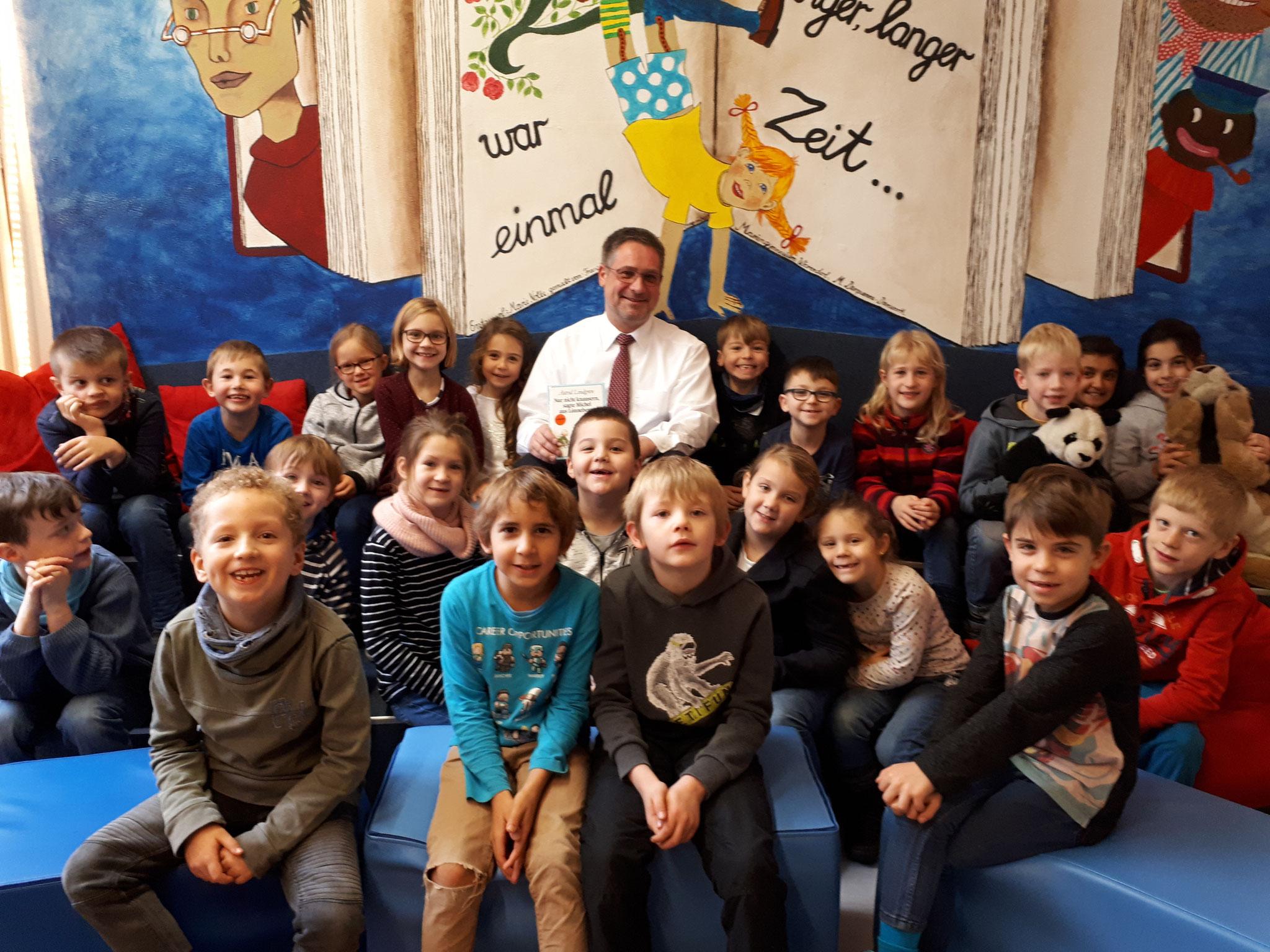 Laurentiusschüler der SEP 3 zu Gast in der Stadtbücherei