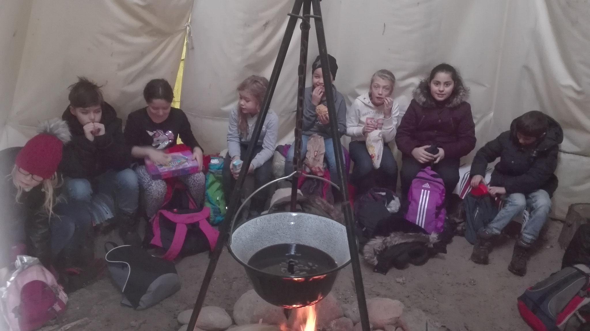 Laurentiusschüler der 4b im Naturkindergarten Freckenhorst