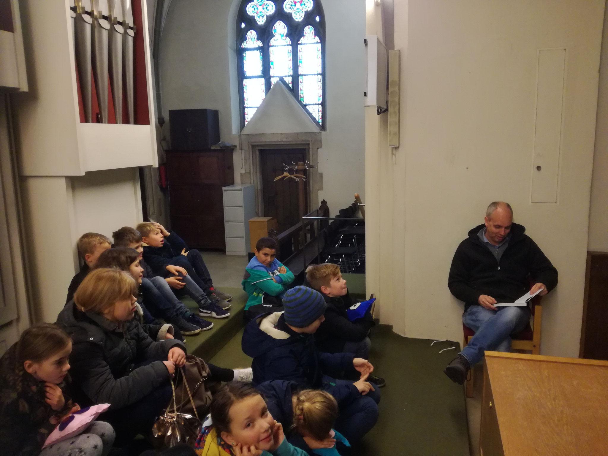 Laurentiusschüler der 4c auf dem Orgelboden der Laurentiuskirche