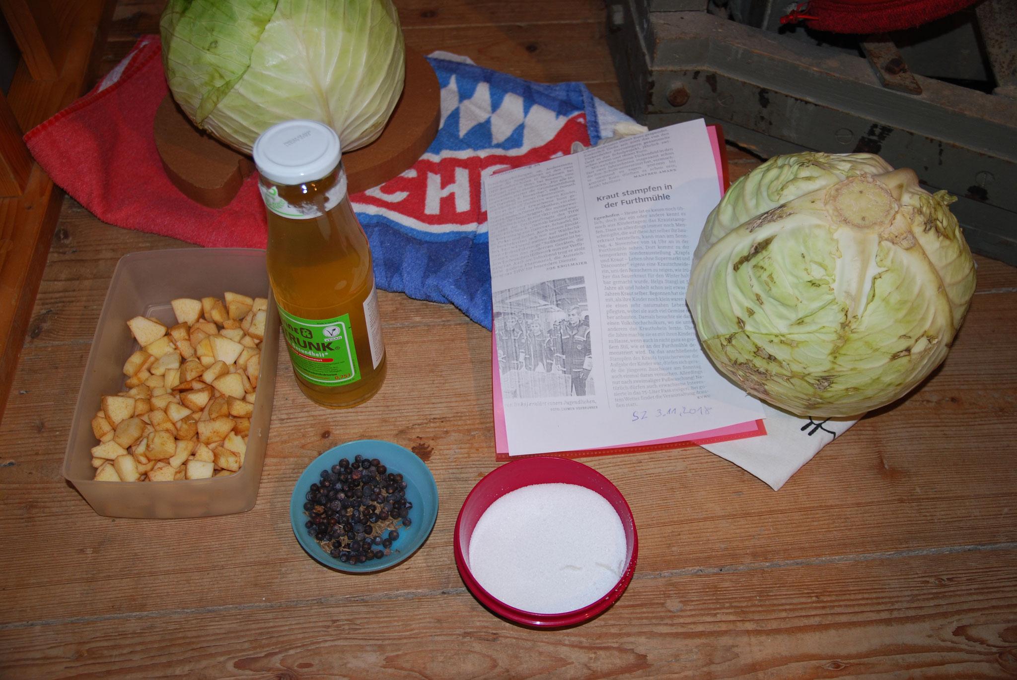 Utensilien für das Stampfen von Sauerkraut