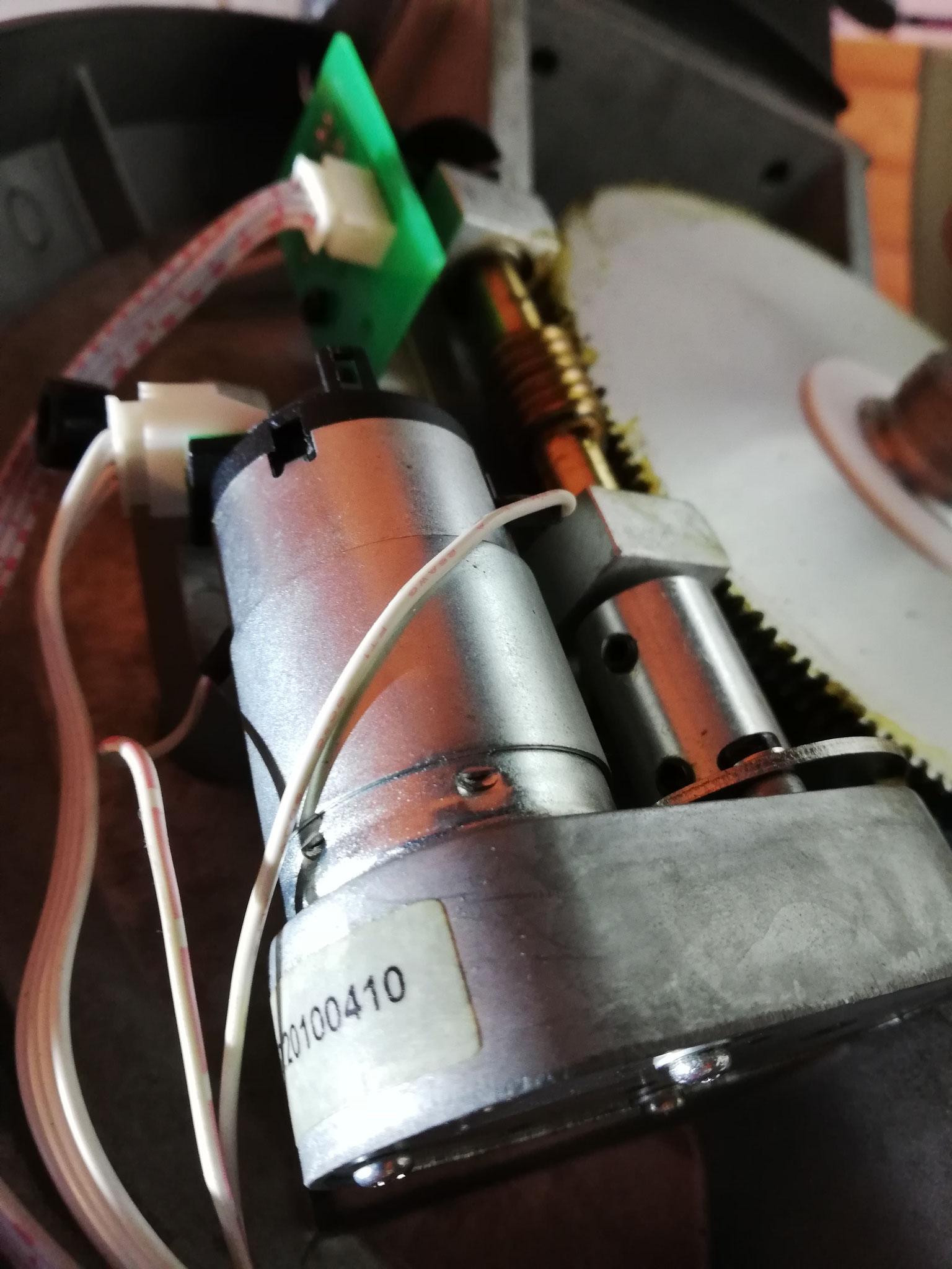 Ausbau des Defekten RA-Motors