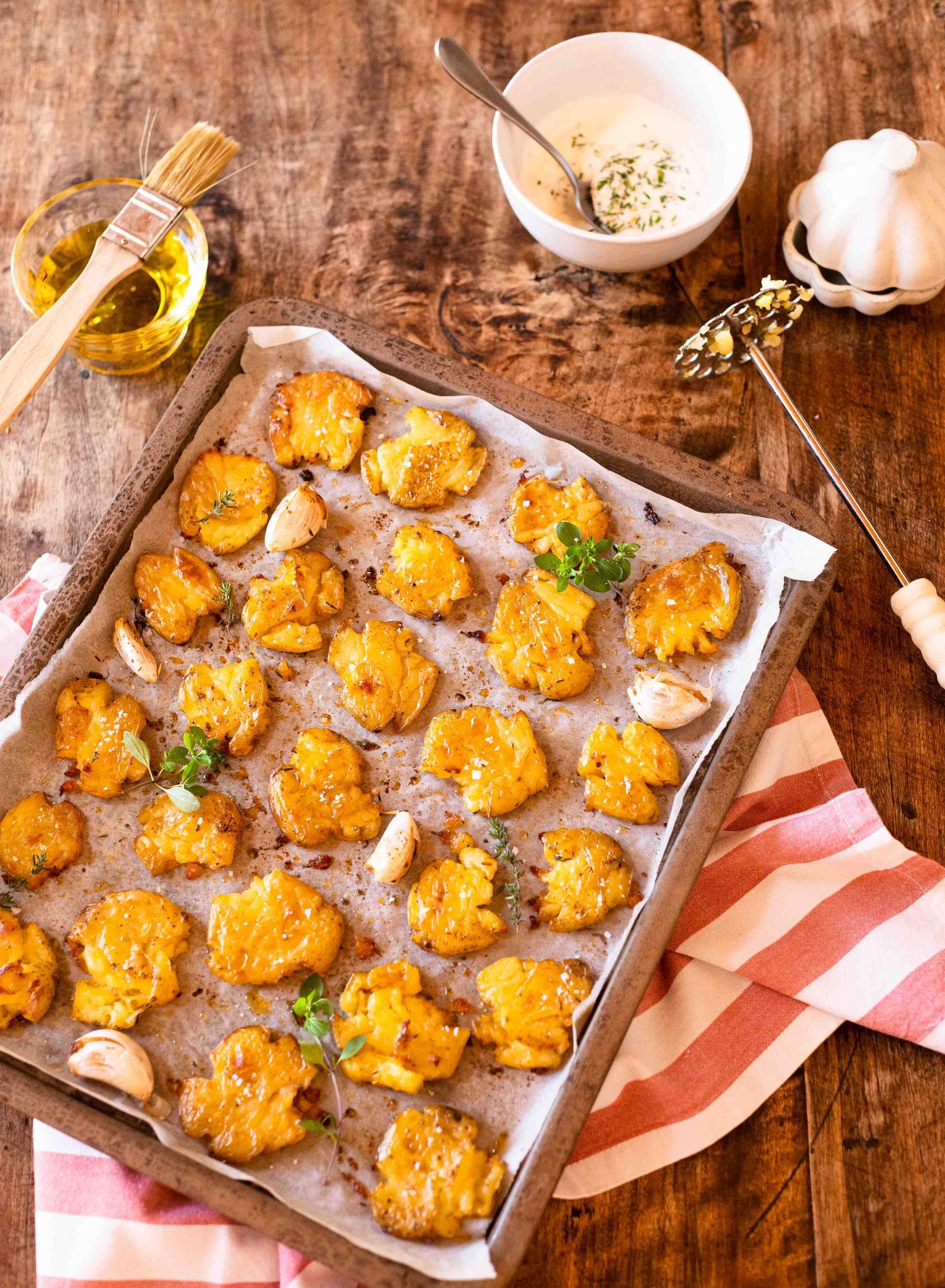 Batatas a murro (pommes de terre tapées au four - recette portugaise)