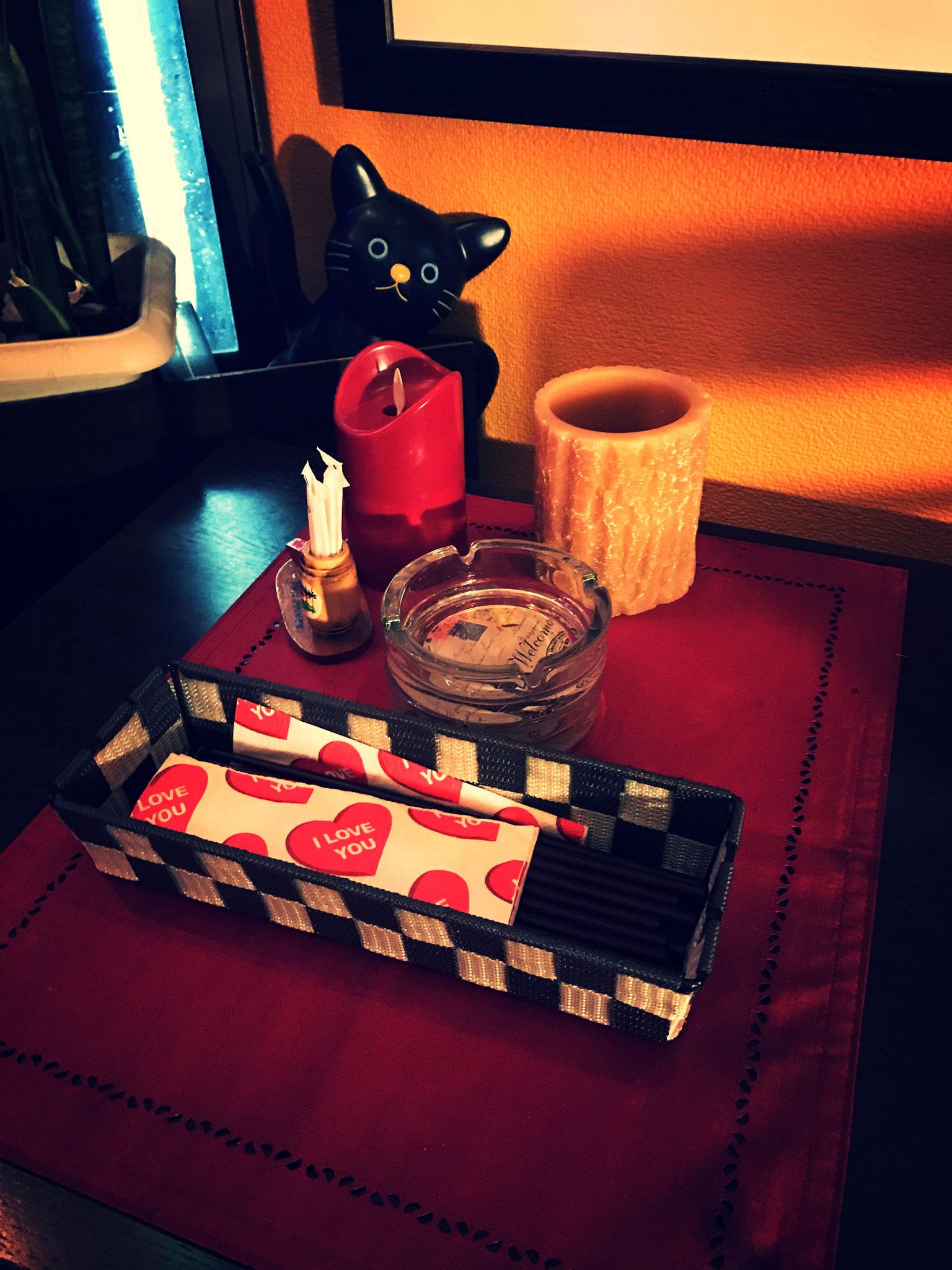 テーブルには可愛いフィリピンの小物たち